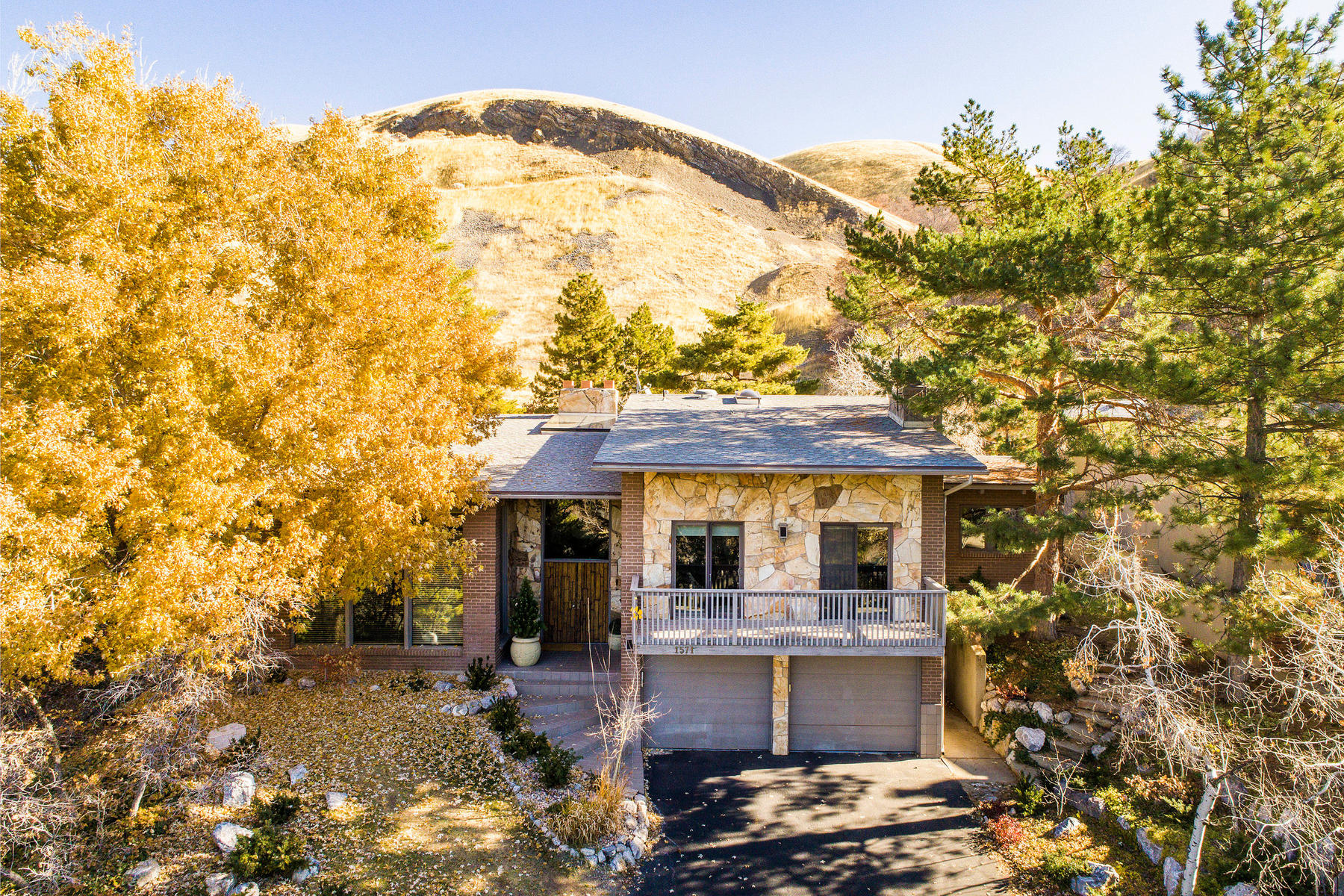 Single Family Home for Sale at Mid-Century Modern Home in Arlington Hills 1571 E. Tomahawk Dr., Salt Lake City, Utah 84103 United States