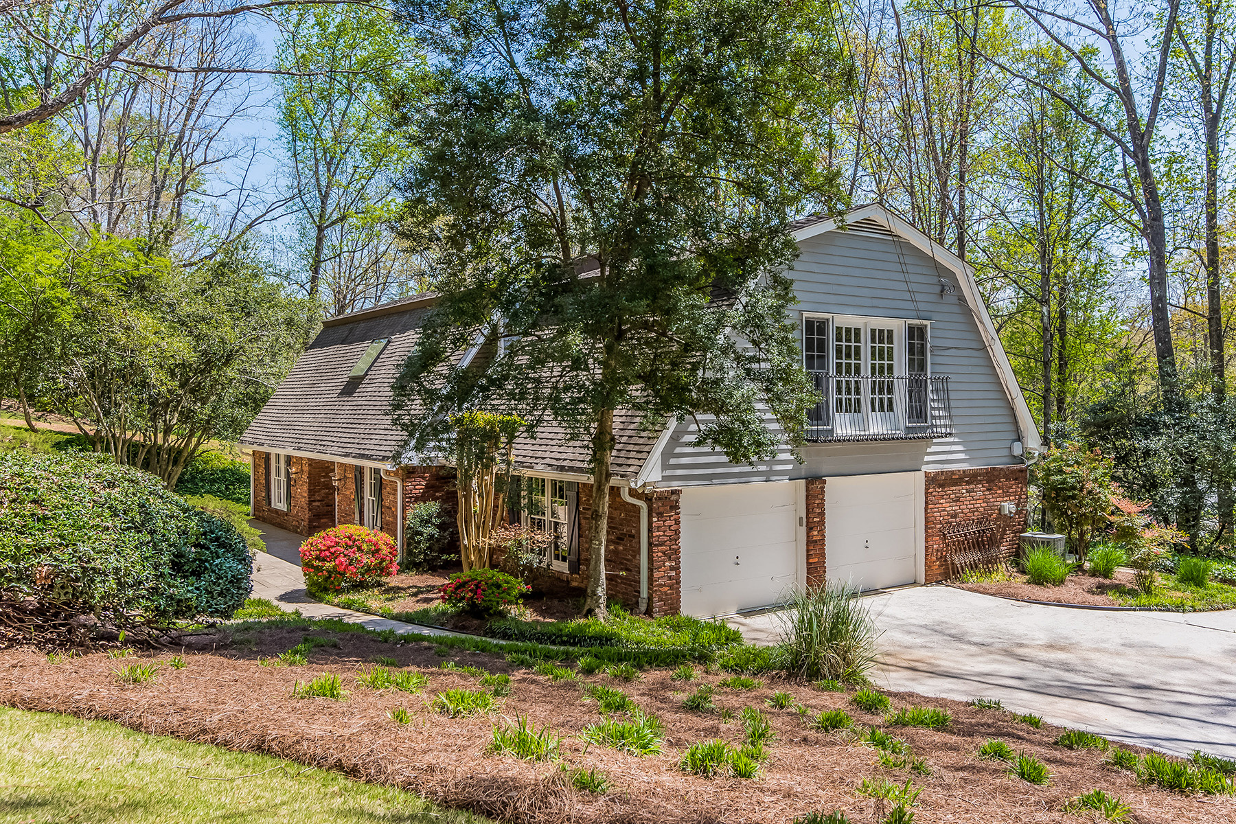 Single Family Home for Sale at Captivating Sandy Springs Cul-de-sac Beauty 355 Westerhall Ct Atlanta, Georgia 30328 United States