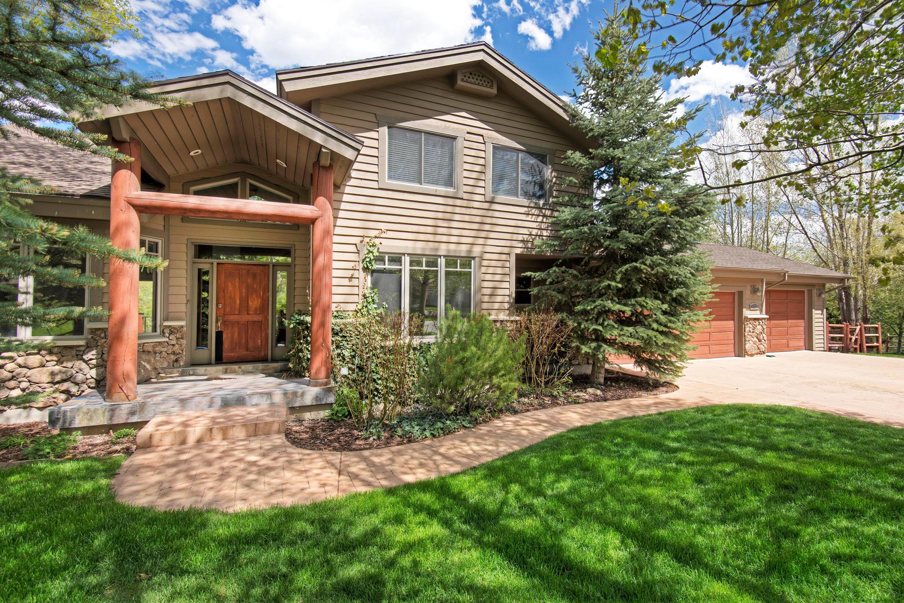 Maison unifamiliale pour l Vente à Well-loved Ranch Place Home Overlooking Swaner Nature Preserve 4780 Winchester Ct Park City, Utah, 84098 États-Unis