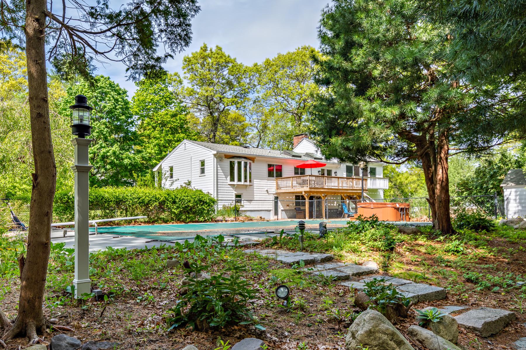 Single Family Homes 为 销售 在 40 James Road Hanover, 马萨诸塞州 02339 美国