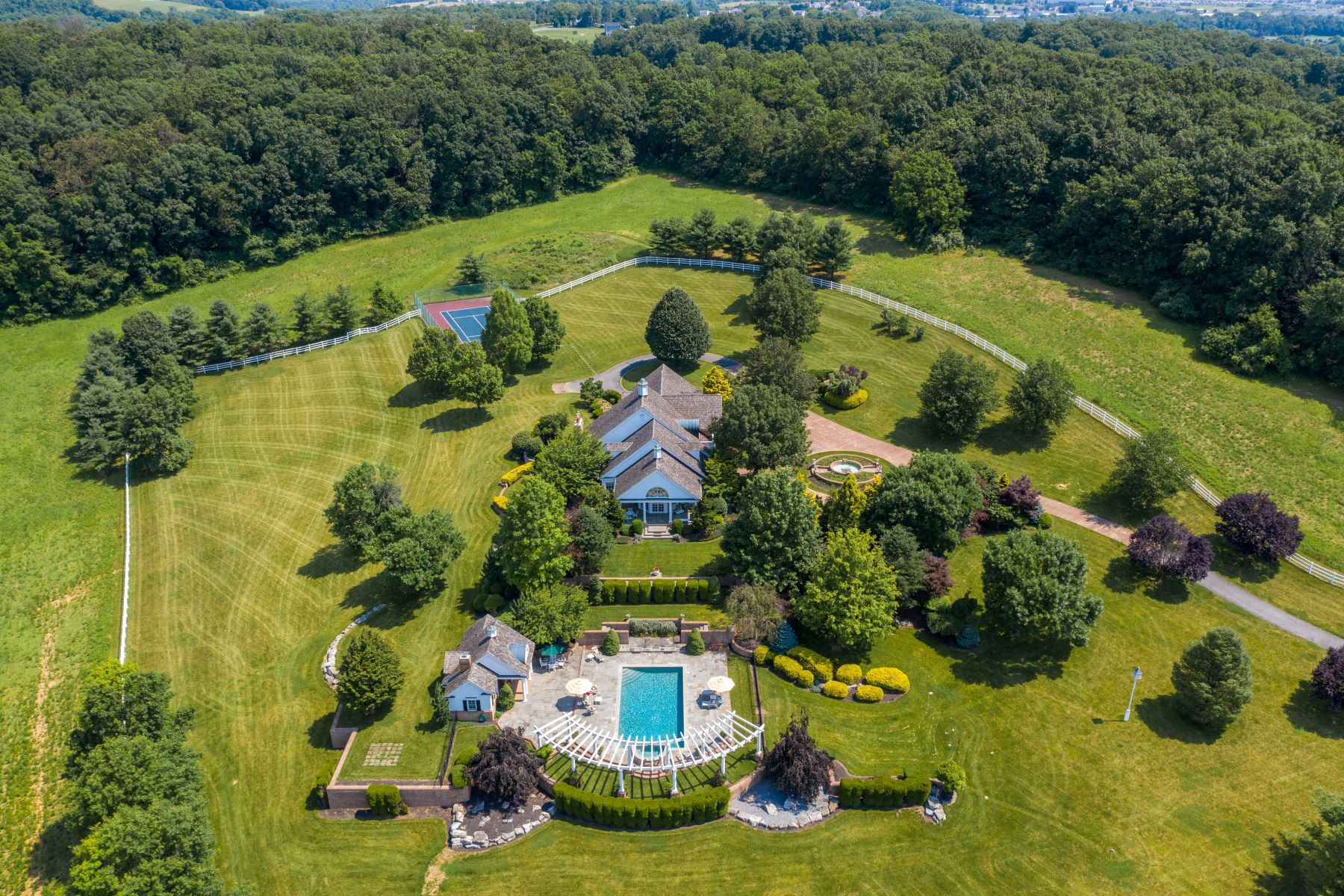 Single Family Homes for Sale at 1081 Grange Road, Bern Twp Leesport, Pennsylvania 19533 United States