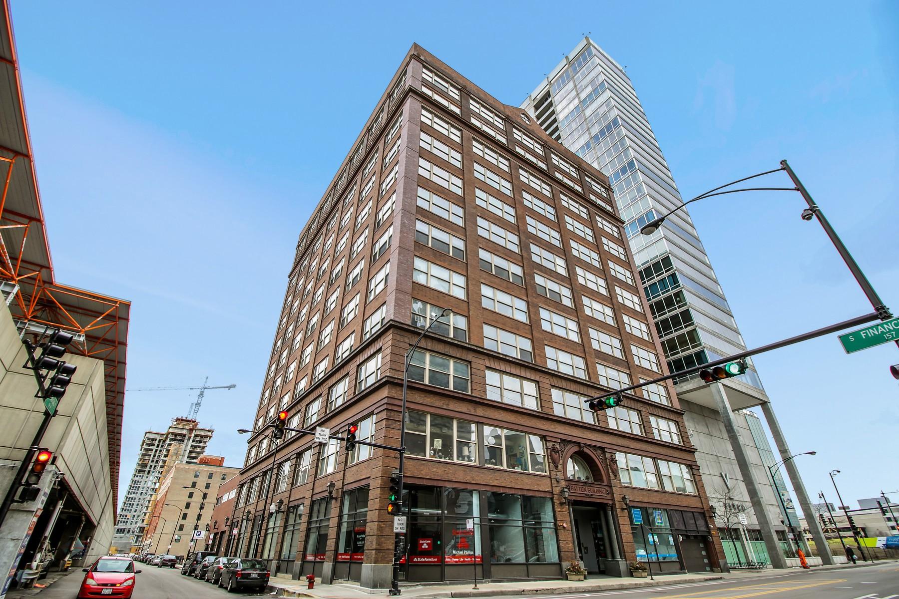 Kat Mülkiyeti için Satış at Corner Unit in South Loop 161 W Harrison Street Unit 801 Chicago, Illinois, 60605 Amerika Birleşik Devletleri