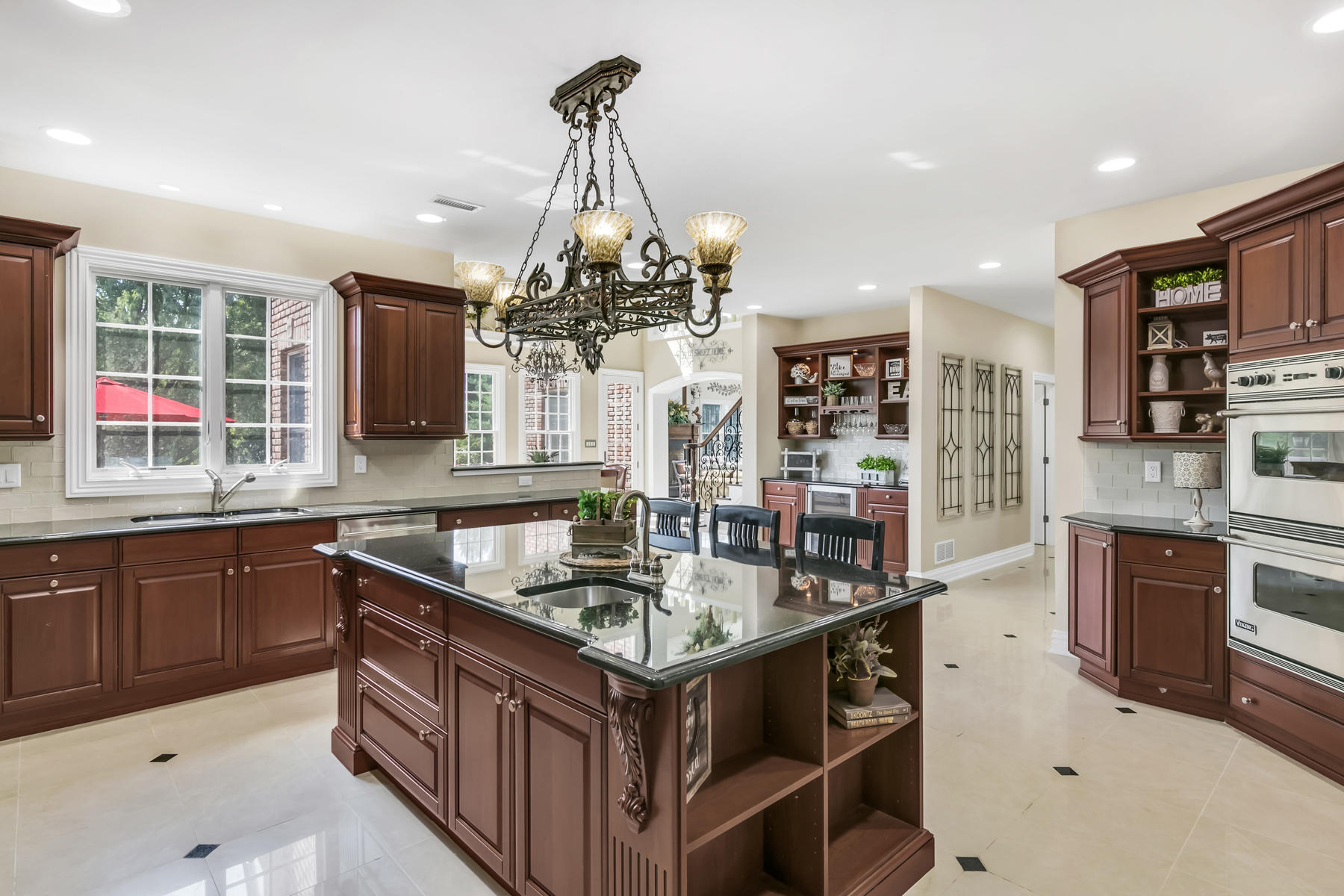 Additional photo for property listing at Classic Colonial 4 Scobeyville Drive, Colts Neck, 新澤西州 07722 美國