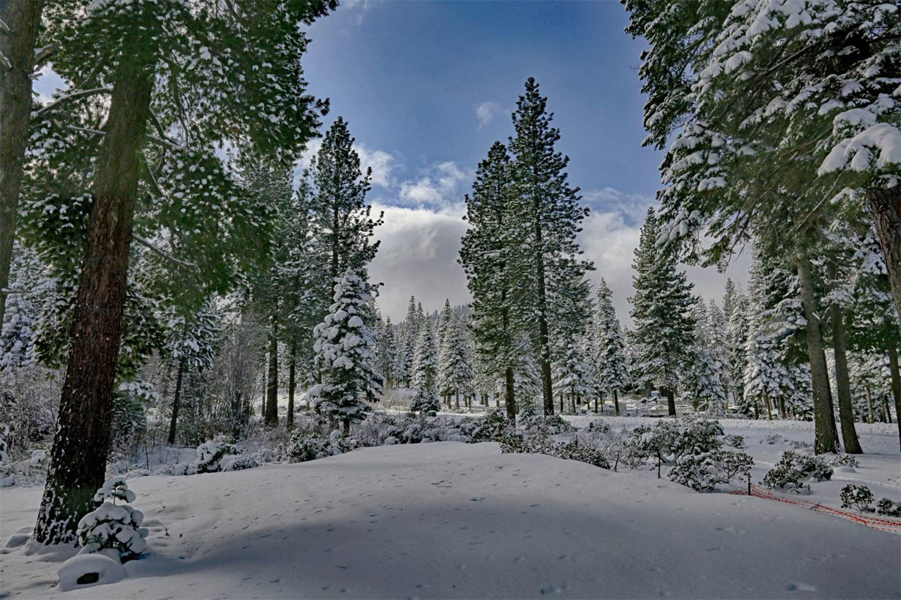 Additional photo for property listing at 2110 Eagle Feather  Truckee, California 96161 United States