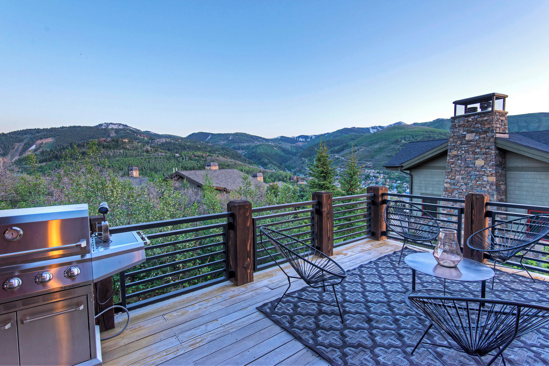 Additional photo for property listing at Fresh Mountain Modern with Incredible Views 1468 April Mountain Dr Park City, Юта 84060 Соединенные Штаты