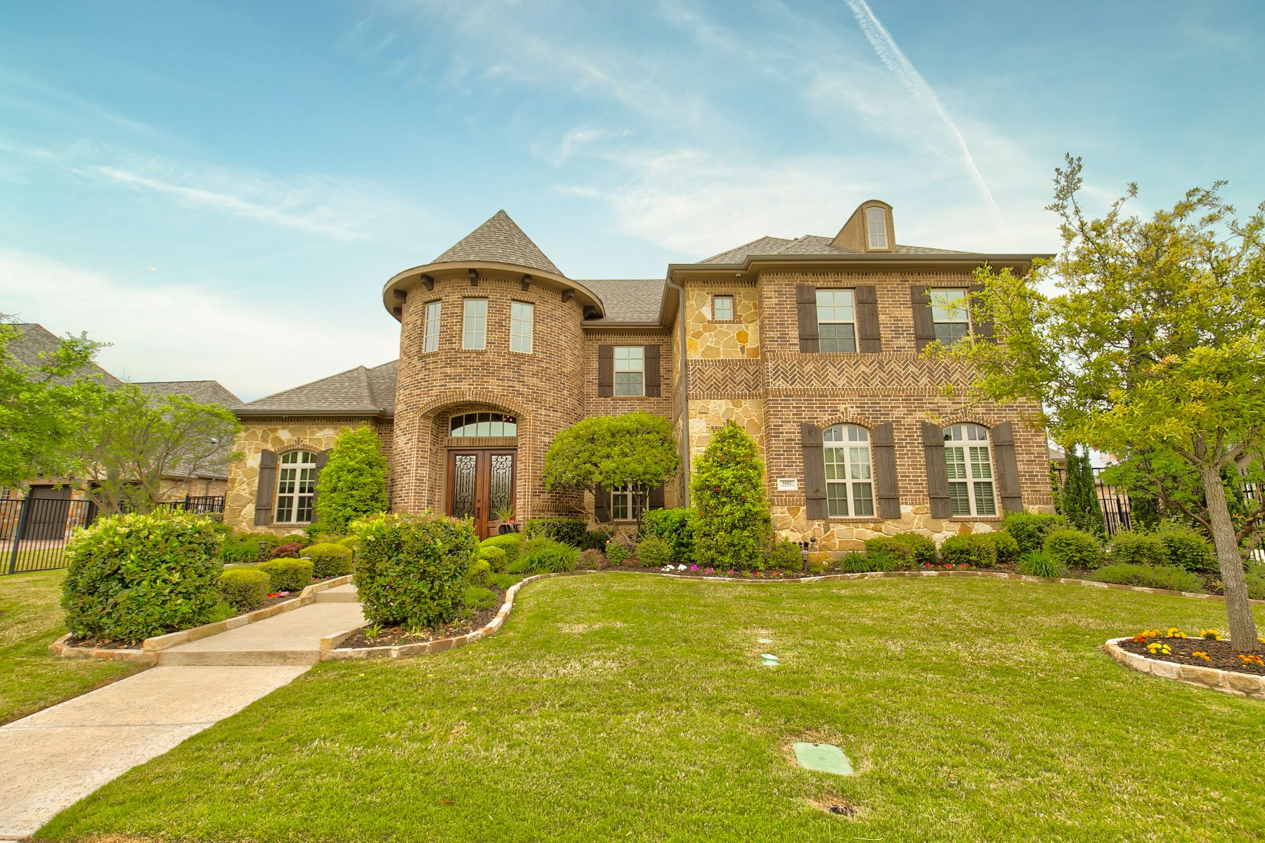 Single Family Homes for Sale at Southlake Sunsets by the Pool 1012 Whittington Place Southlake, Texas 76092 United States