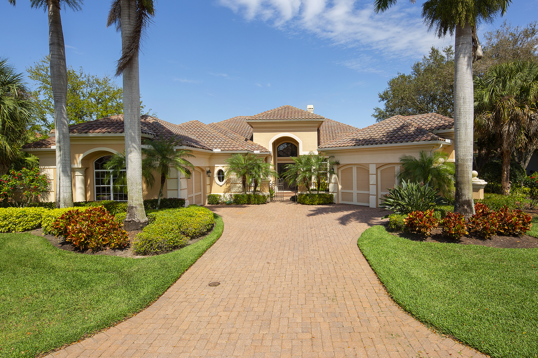 Single Family Homes für Verkauf beim SHADOW WOOD AT THE BROOKS - MAGNOLIA BEND 10072 Magnolia Bend, Estero, Florida 34135 Vereinigte Staaten