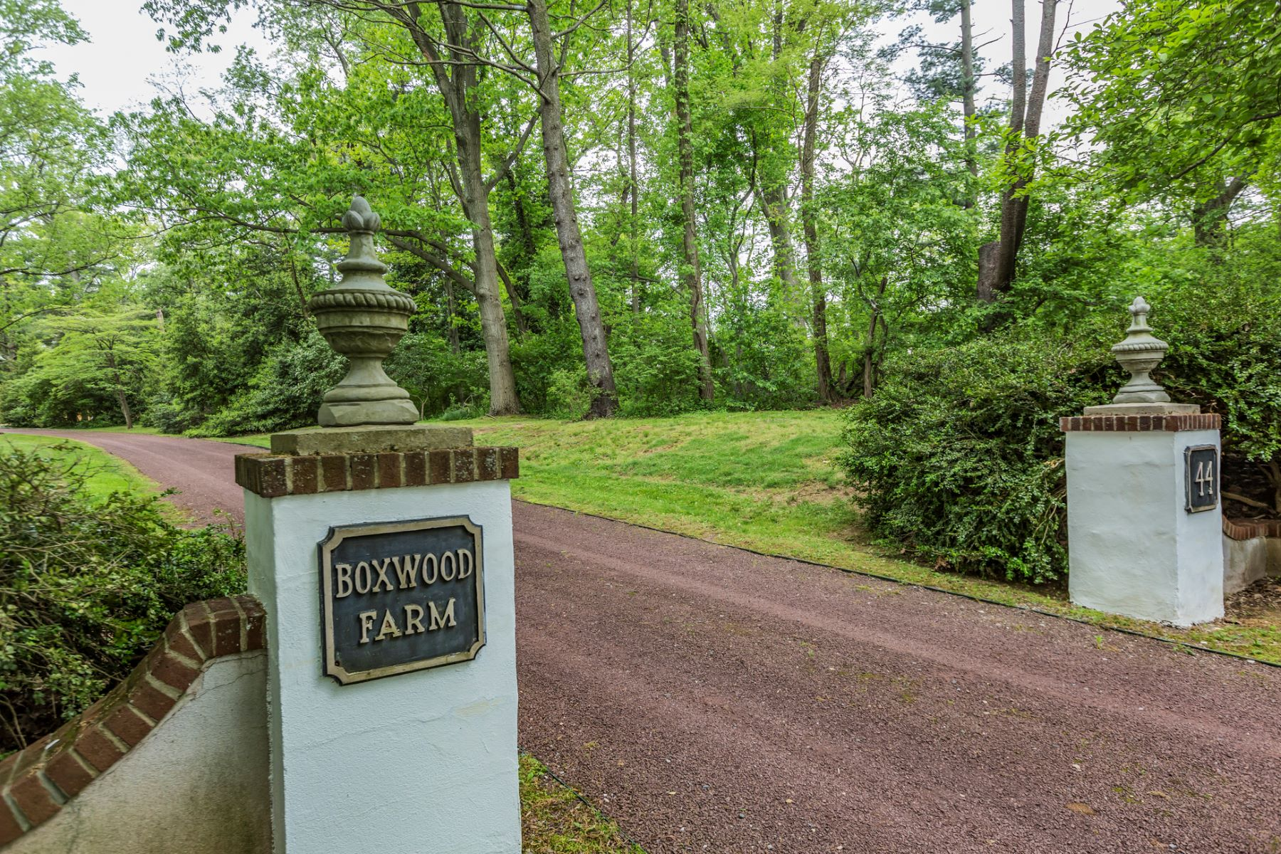 Additional photo for property listing at Serene Boxwood Farm - Lawrence Township 44 Fackler Road 普林斯顿, 新泽西州 08540 美国