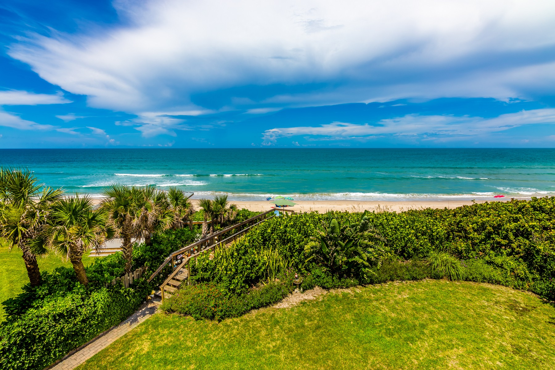 Additional photo for property listing at Multi Story Direct Oceanfront Home 7365 S Highway A1A Melbourne Beach, Florida 32951 United States