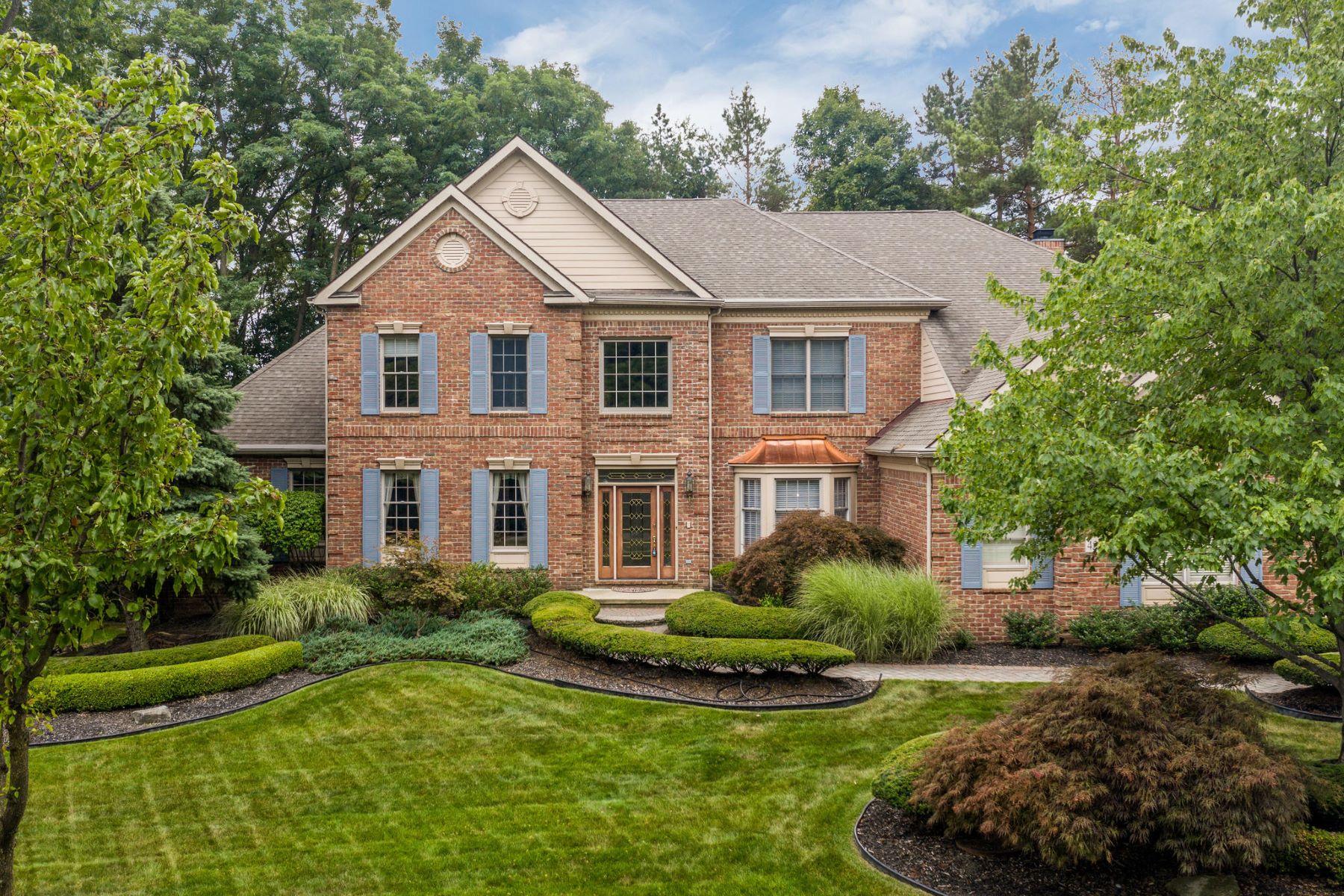 Single Family Homes para Venda às Northville 45541 Tournament Drive, Northville Township, Michigan 48168 Estados Unidos