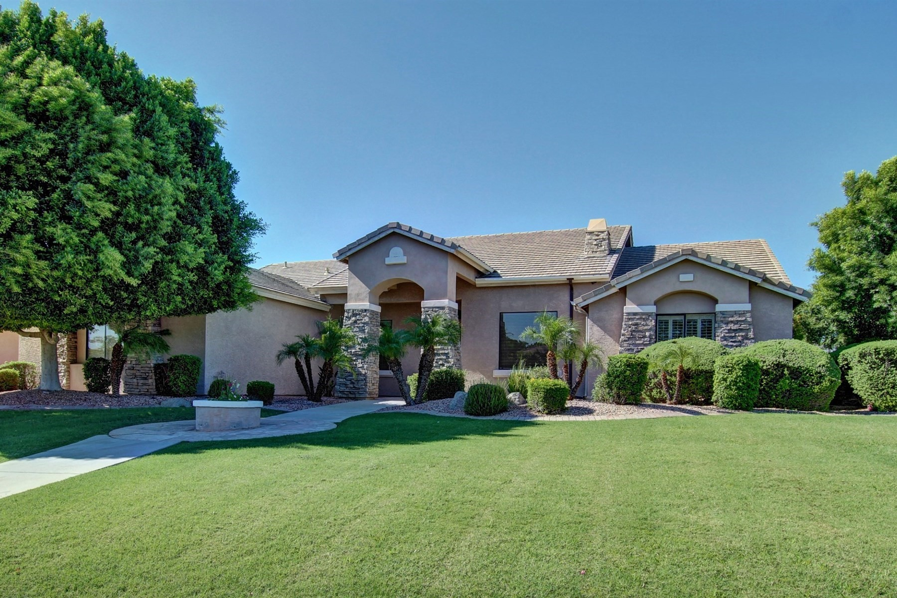 واحد منزل الأسرة للـ Sale في Beautiful Mesa home in Alta Mira Estates 6964 E Grandview St Mesa, Arizona, 85207 United States
