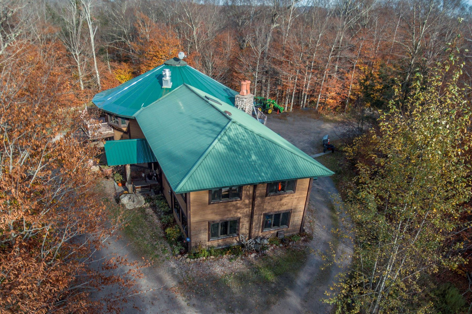 Single Family Homes por un Venta en Ranch Style Living with Acreage and Waterfront 2518 Stillwater Road Lowville, Nueva York 13367 Estados Unidos