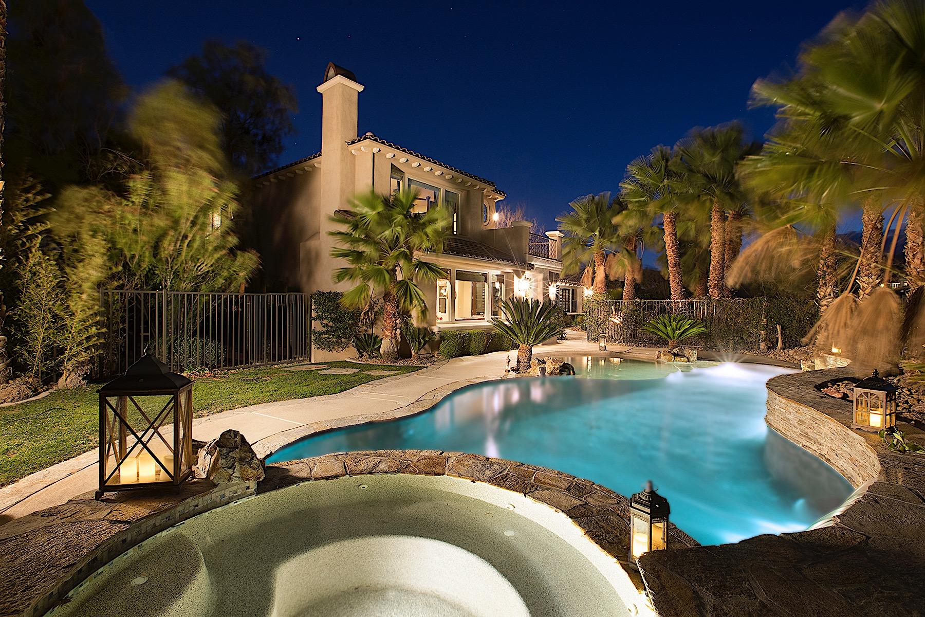 Maison unifamiliale pour l Vente à Bella Vista In Red Rock Country Club 11577 Snow Creek Avenue Las Vegas, Nevada, 89135 États-Unis