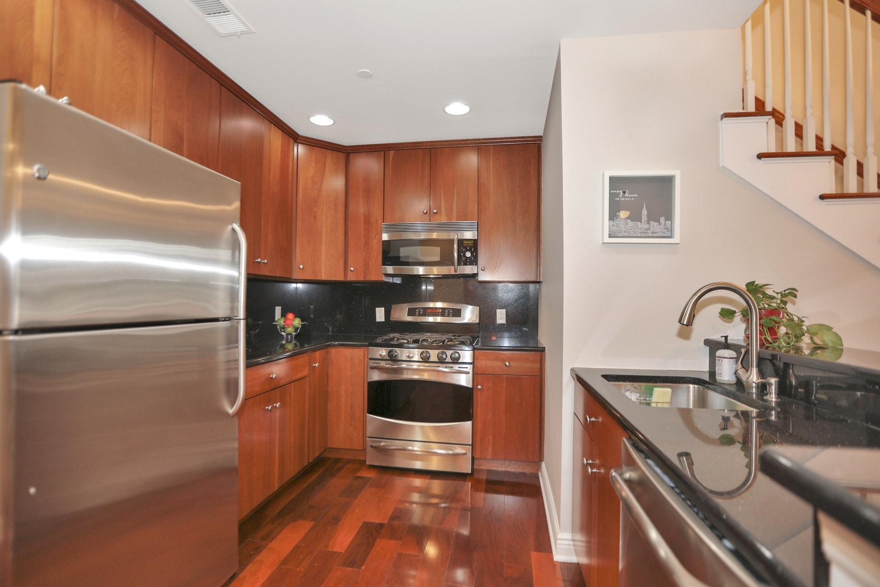 Condominiums για την Πώληση στο 7400 River Road # 447 Hudson Pointe, North Bergen, Νιου Τζερσεϋ 07047 Ηνωμένες Πολιτείες