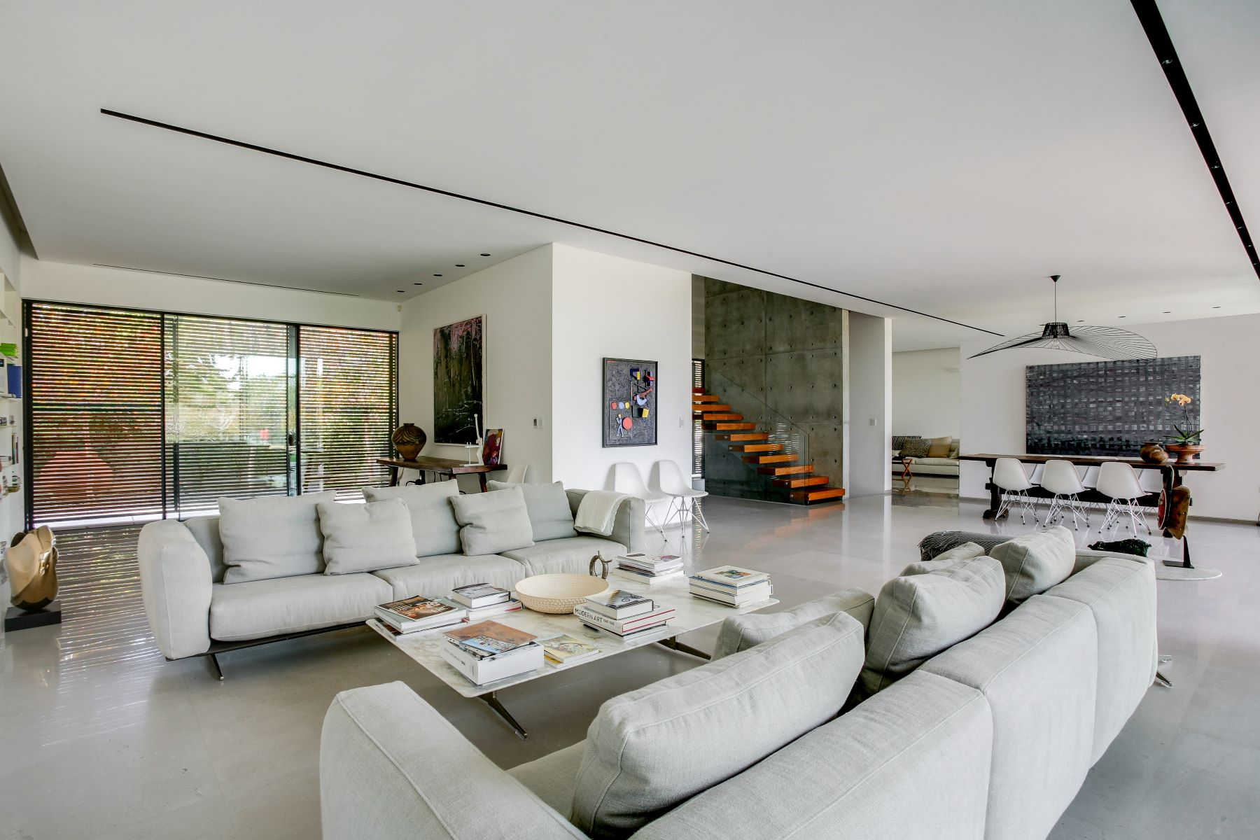 Additional photo for property listing at Exquisite Modern House Designed by Pitsou Kedem Kfar Shmaryahu, Israel Israel
