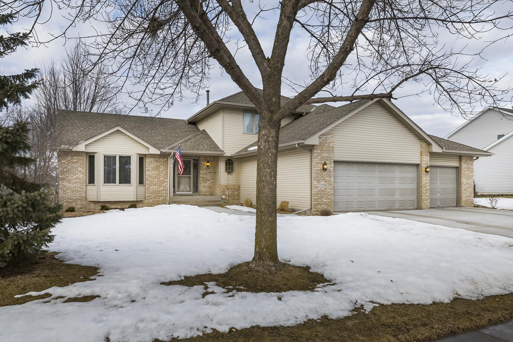 Single Family Homes for Sale at 17290 80th Place N Maple Grove, Minnesota 55311 United States