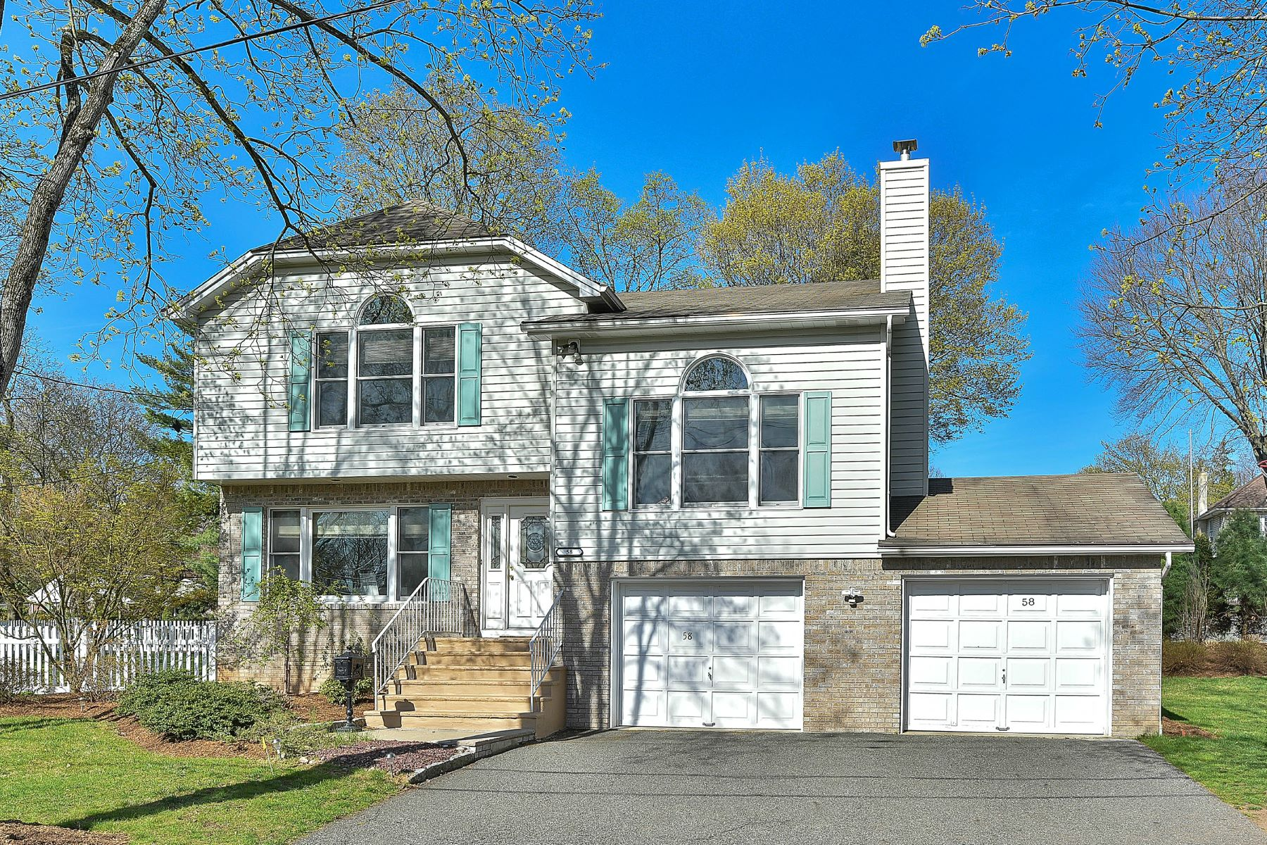Single Family Home for Rent at Amazing Closter Home for Rent! 58 Fairview Avenue, Closter, New Jersey 07624 United States