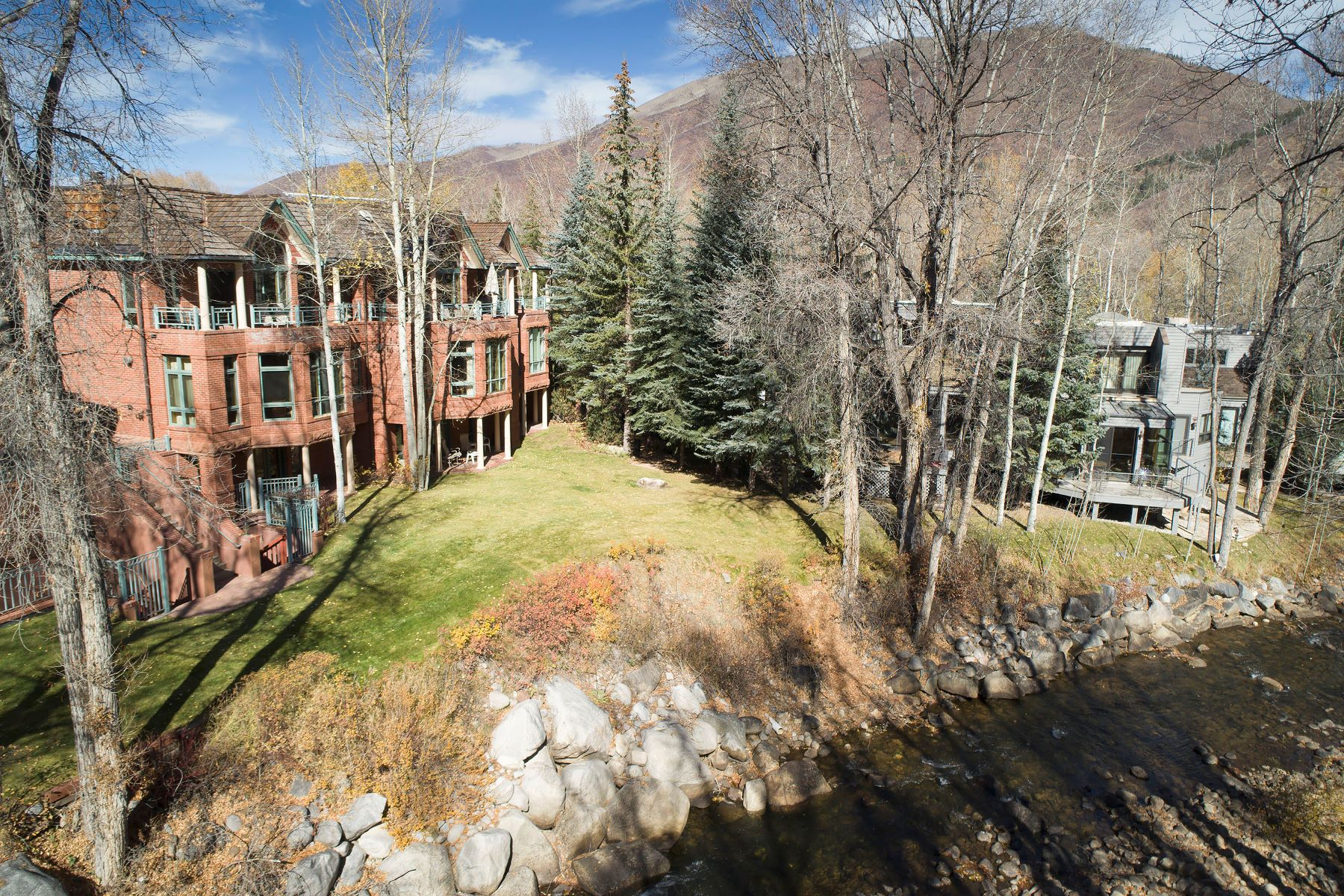 townhouses için Satış at Quite Possibly the Best Location in Aspen! 120 North Spring Street Aspen, Colorado 81611 Amerika Birleşik Devletleri