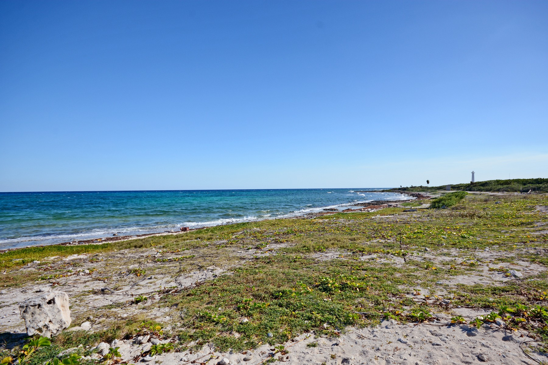 Additional photo for property listing at BEACHFRONT MAJAHUAL LOT Beachfront Majahual Lot Carretera Cafetal-Majahual Majahual, Quintana Roo 77976 Mexico