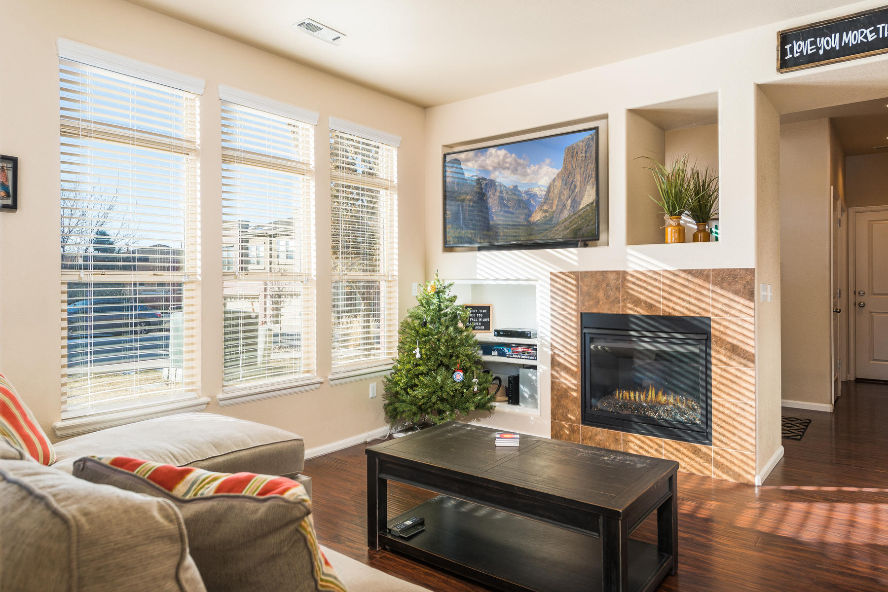 Additional photo for property listing at Great location in the Villas at Highland Park! 8993 E Nichols Place Bldg 6 Centennial, Colorado 80112 United States
