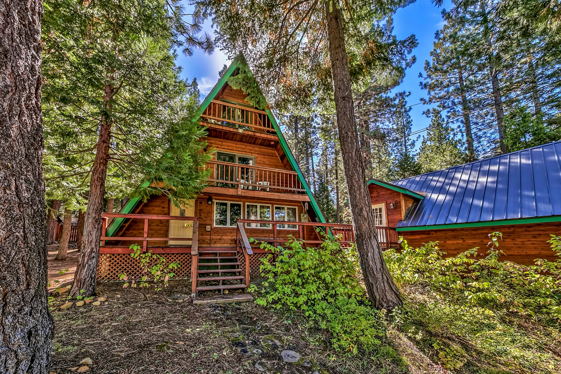 Single Family Home for Active at 1687 Mohican Drive, South Lake Tahoe, CA 96150 1687 Mohican Drive South Lake Tahoe, California 96150 United States