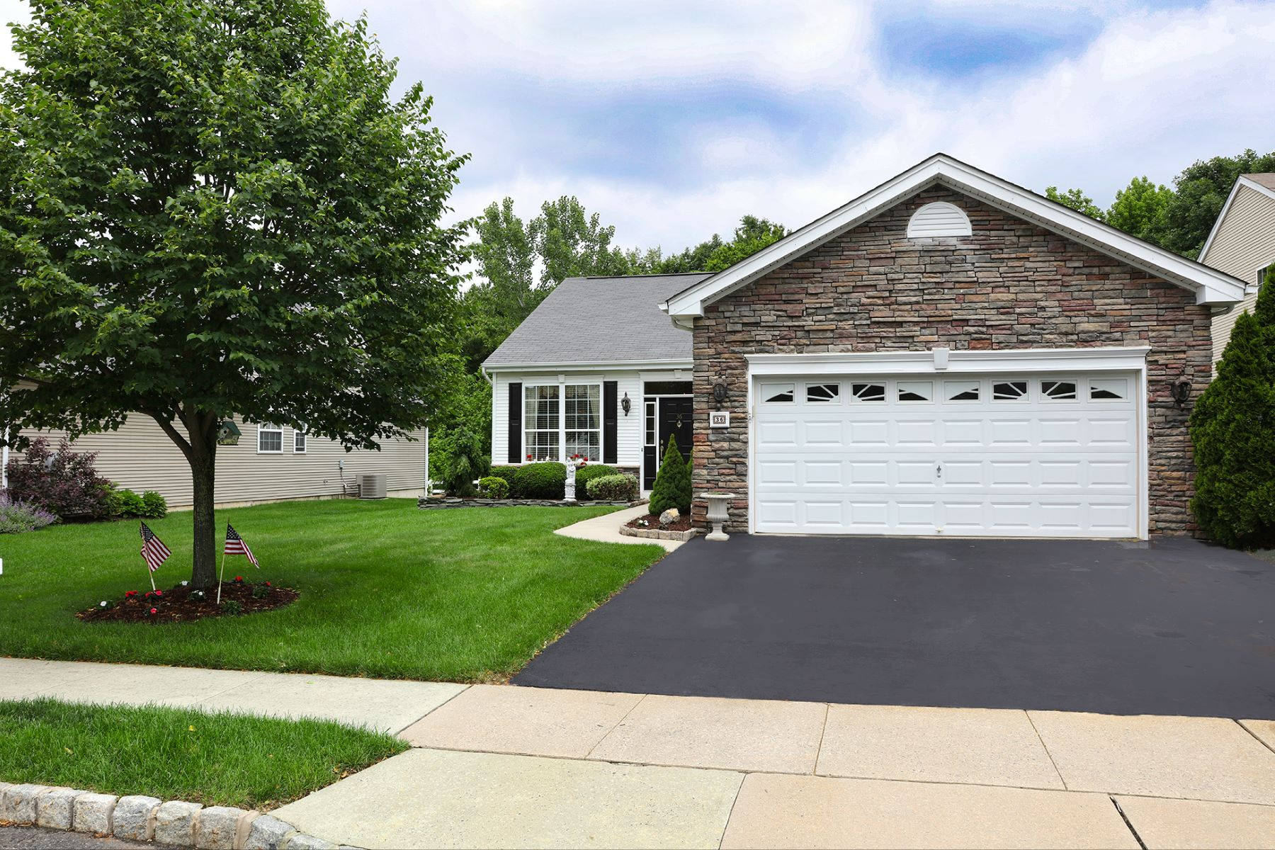 Single Family Home for Sale at Engaging, Easy, and Elegant in Four Seasons 36 Everett Drive, Columbus, New Jersey 08022 United StatesMunicipality: Mansfield Township