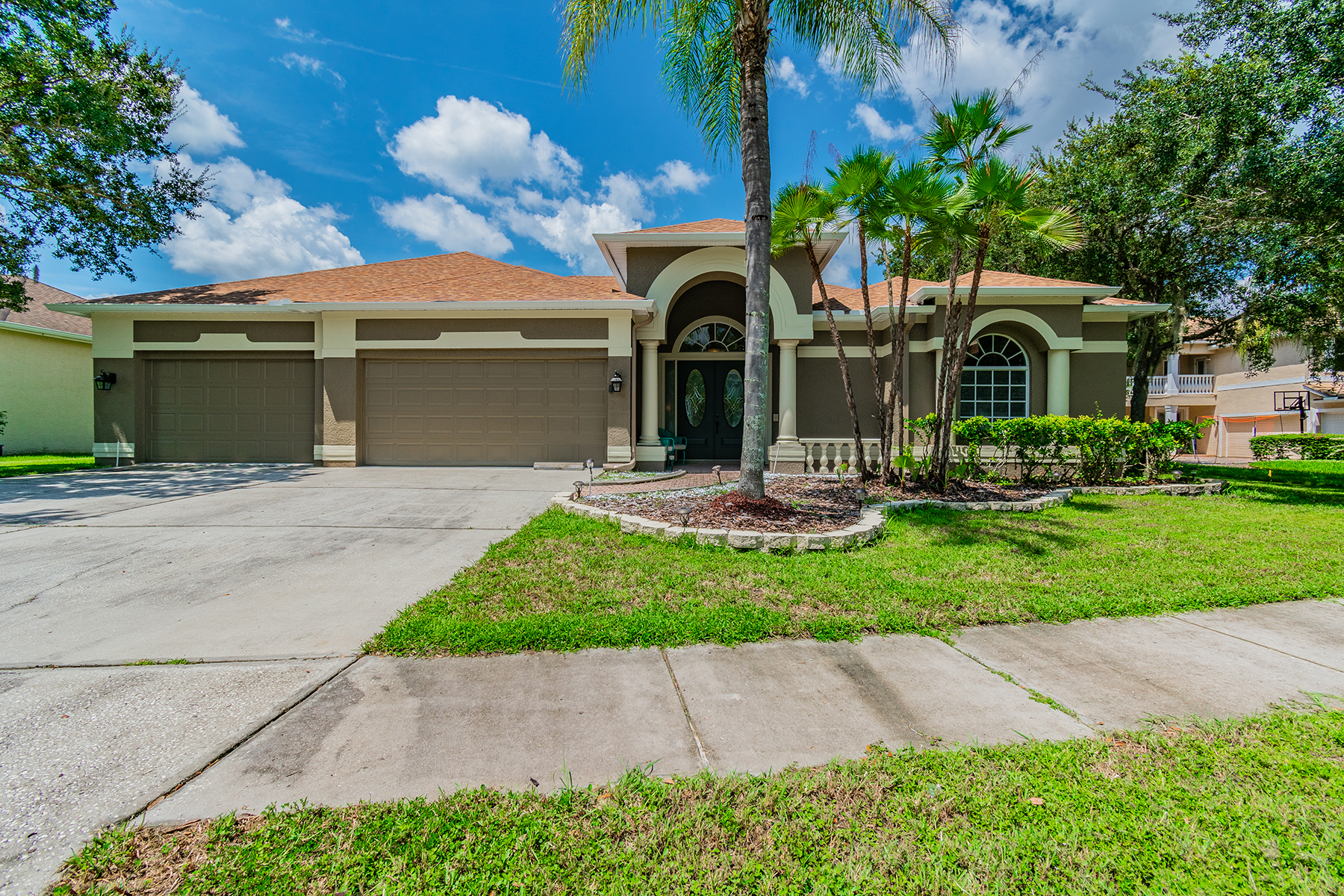 Single Family Homes for Sale at LUTZ 19106 Harbor Cove Ct, Lutz, Florida 33558 United States