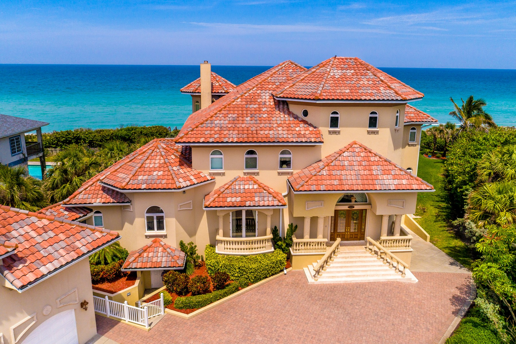 Additional photo for property listing at Luxurious Mediterranean Oceanfront Masterpiece 8345 Highway A1A, Melbourne Beach, Φλοριντα 32951 Ηνωμενεσ Πολιτειεσ