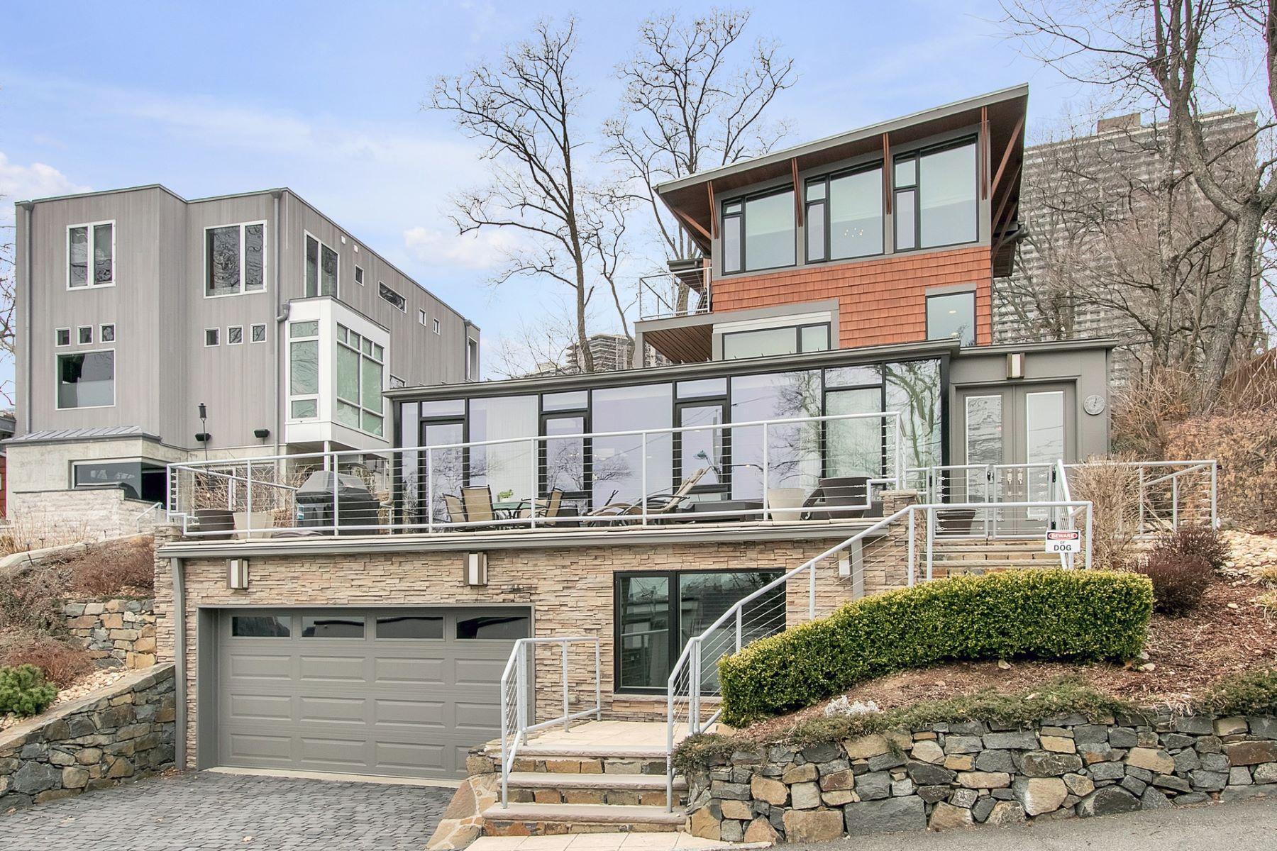 Villa per Vendita alle ore Edgewater Colony 41 Colony Road, Edgewater, New Jersey 07020 Stati Uniti