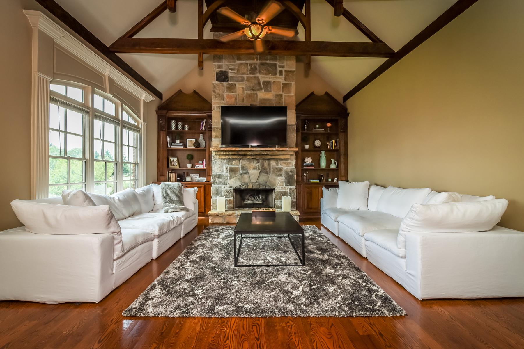 Частный односемейный дом для того Аренда на Unbelievable Opportunity To Live In The Manor 15839 Winterfield Way Alpharetta, Джорджия 30004 Соединенные Штаты