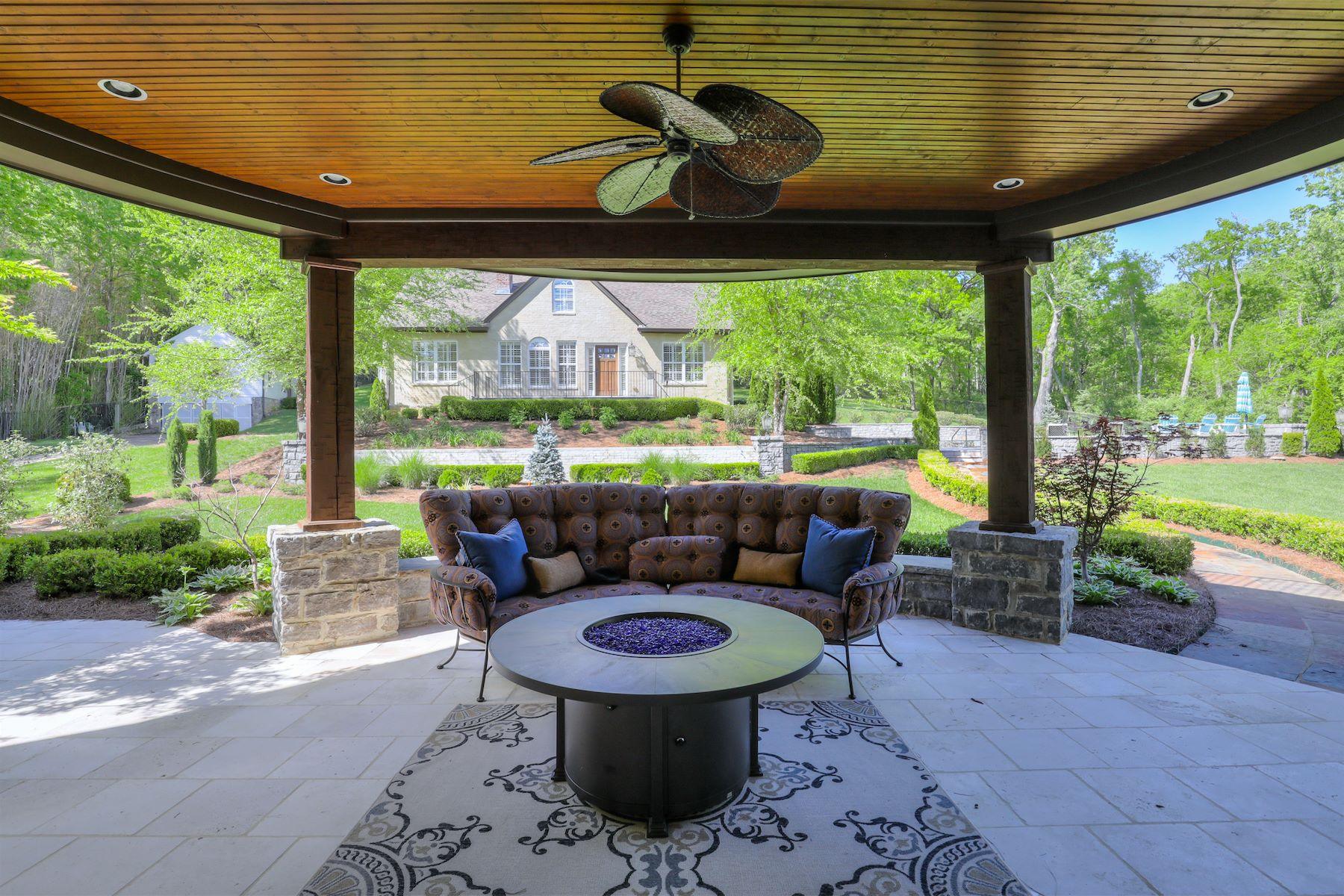 Additional photo for property listing at Breathtaking Forest Hills Estate 1224 Otter Creek Road Nashville, Tennessee 37215 United States