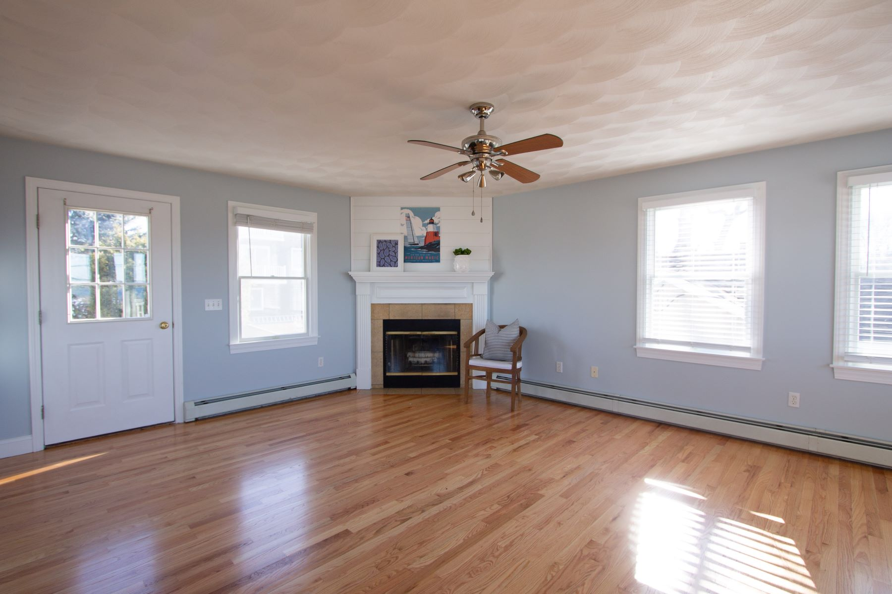 Additional photo for property listing at Water Views and Sunsets 57 Attleboro Avenue Portsmouth, Rhode Island 02871 United States