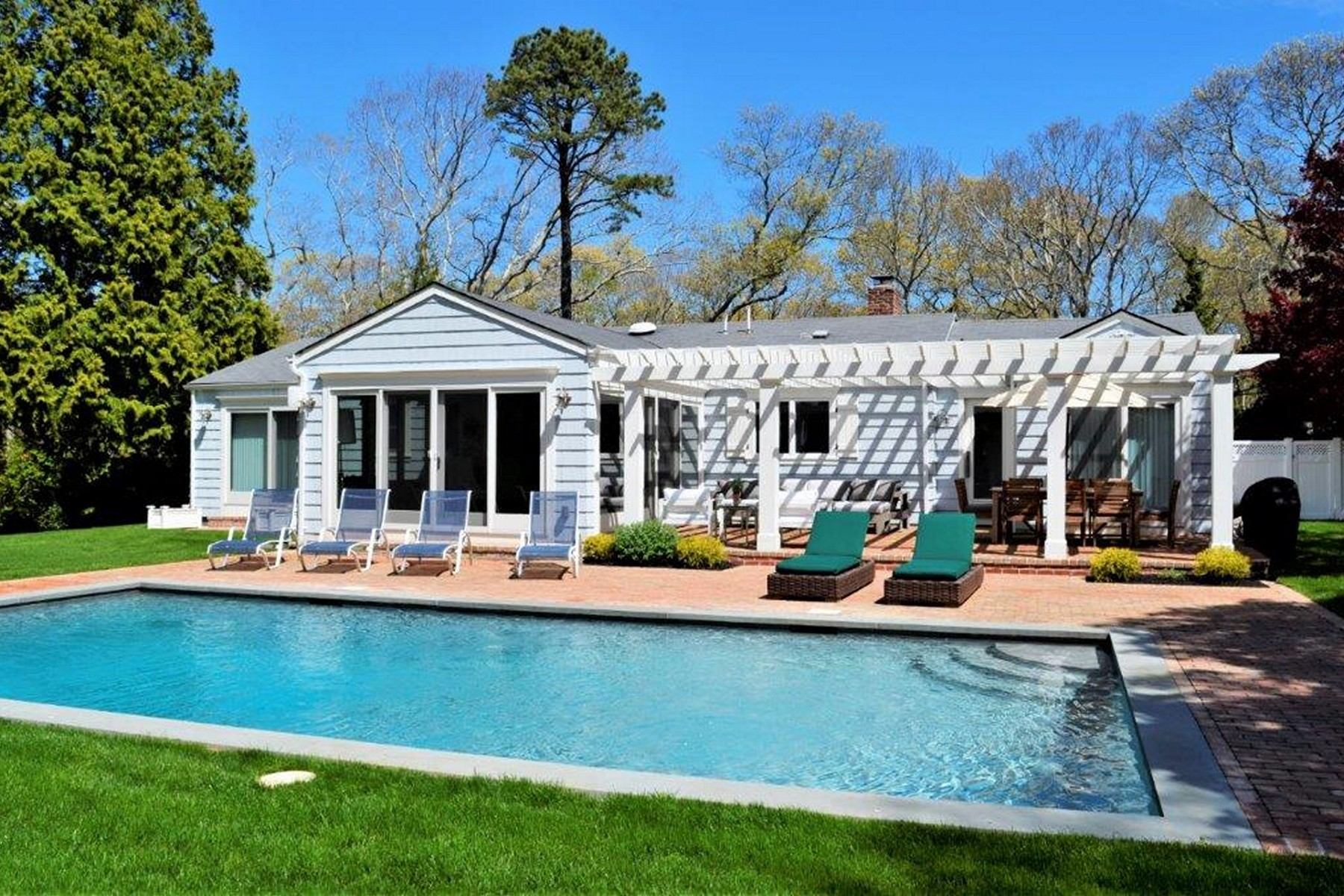 Single Family Home for Active at Westhampton Bch 89 South Rd Westhampton Beach, New York 11978 United States