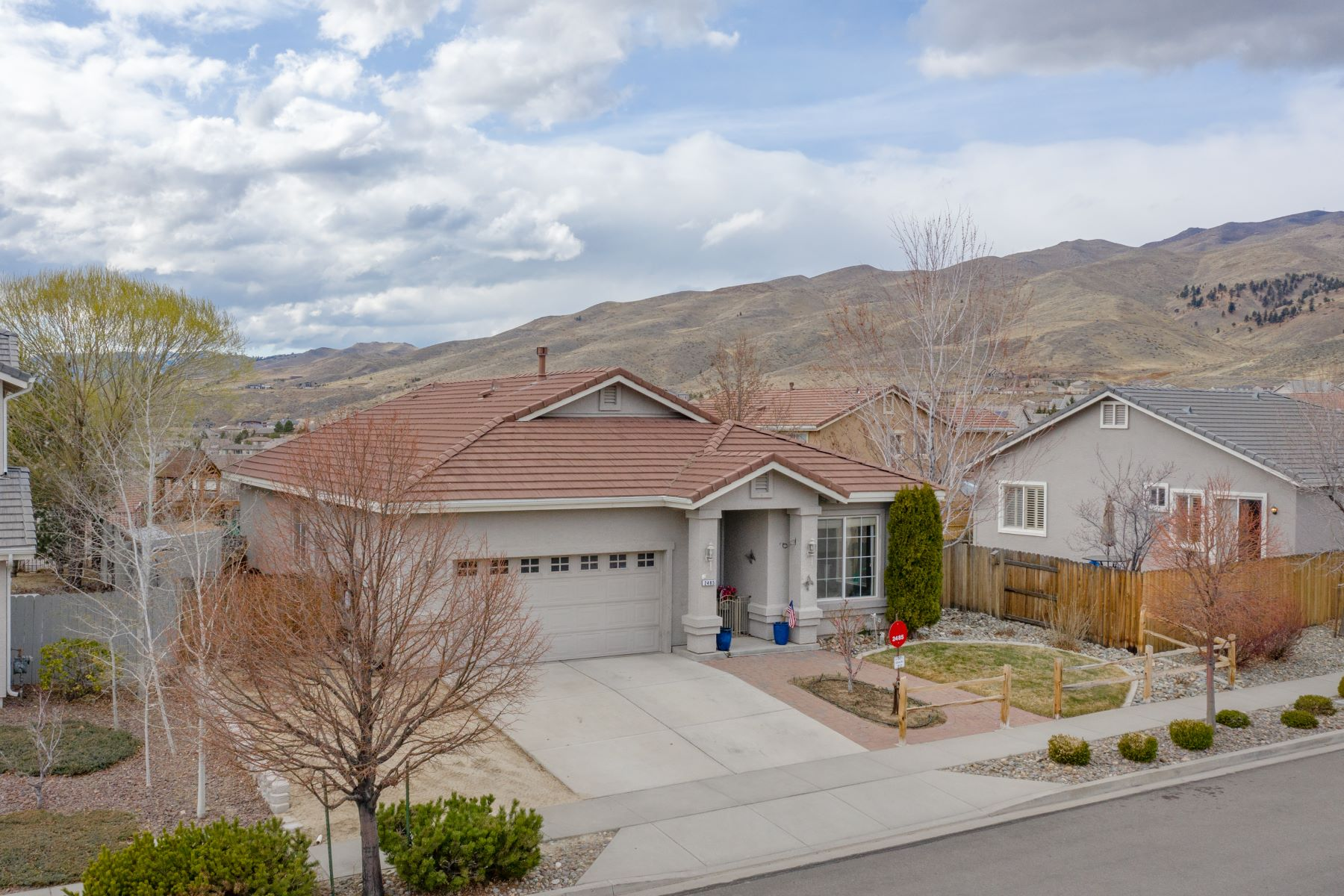 Single Family Homes 为 销售 在 Sunset Views in Northwest Reno 2485 Glen Eagles Drive 里诺, 内华达州 89523 美国