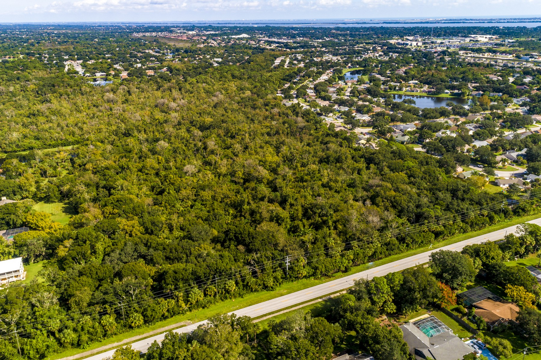Property vì Bán tại Thirty Nine Acres in Desireable Location in Melbourne 0000 Parkway Drive Melbourne, Florida 32934 Hoa Kỳ