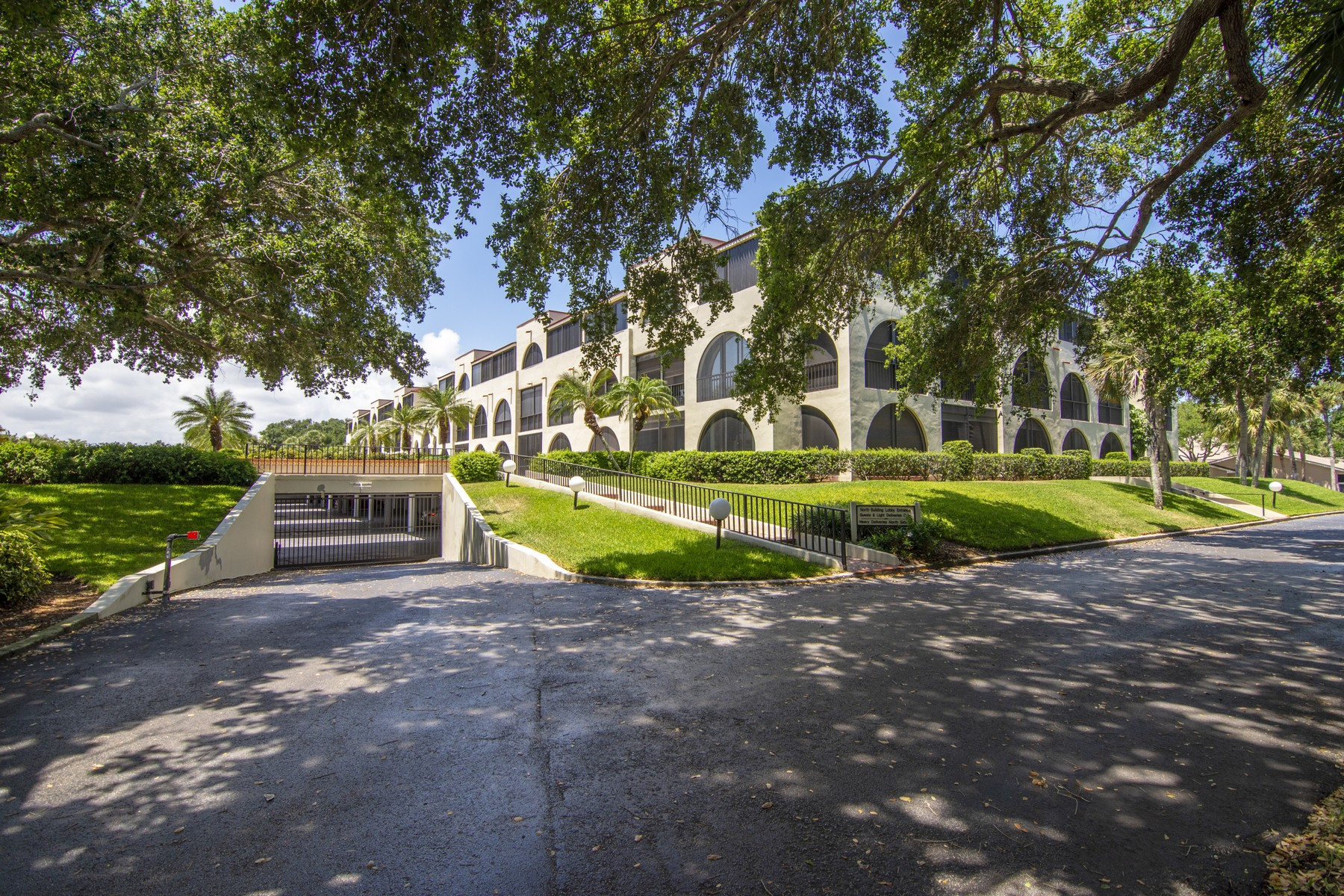 Condominiums for Sale at Inviting Two Bedroom Villa With Southern Exposure 5601 Highway A1A #207N Vero Beach, Florida 32963 United States