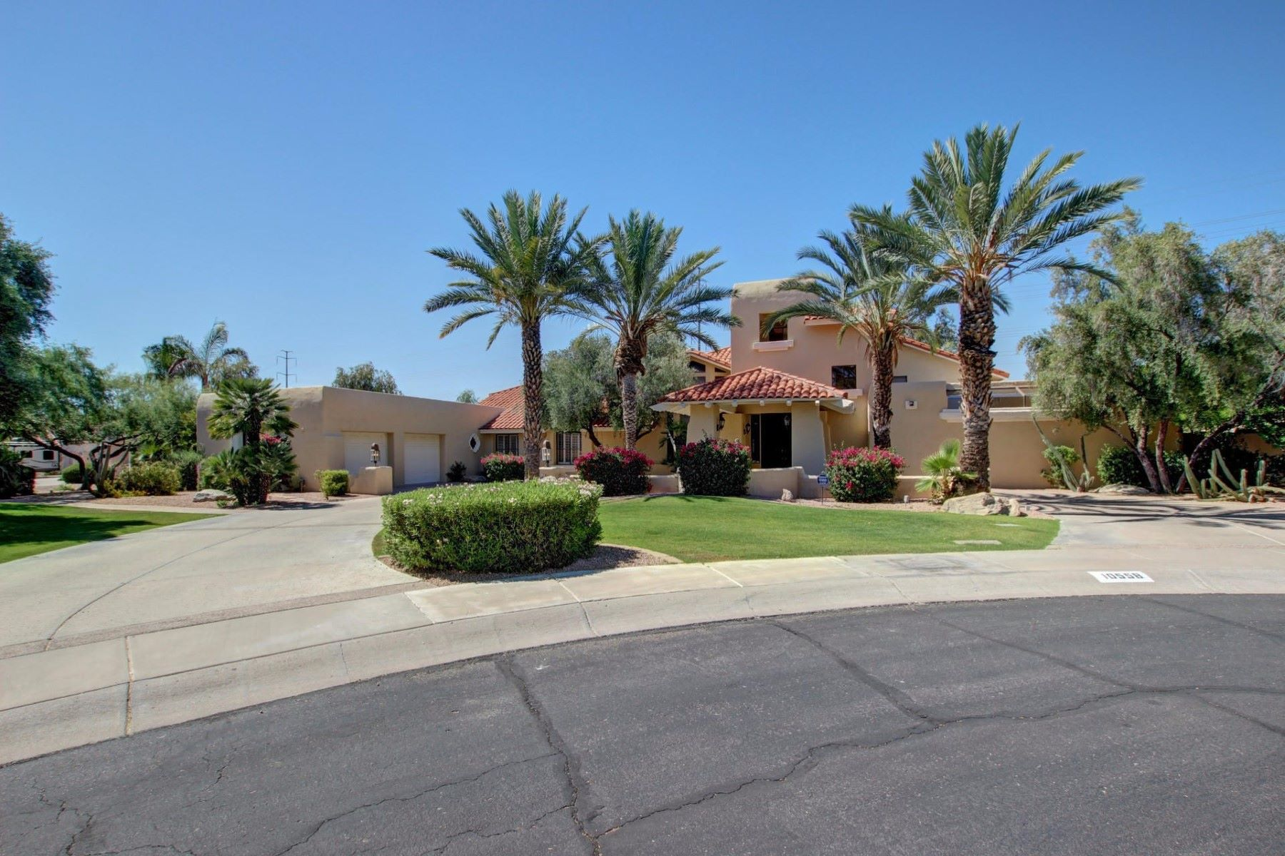 단독 가정 주택 용 매매 에 Outstanding Home in the Gated Community of The Estates at Scottsdale Ranch 10558 N 106th Pl Scottsdale, 아리조나, 85258 미국