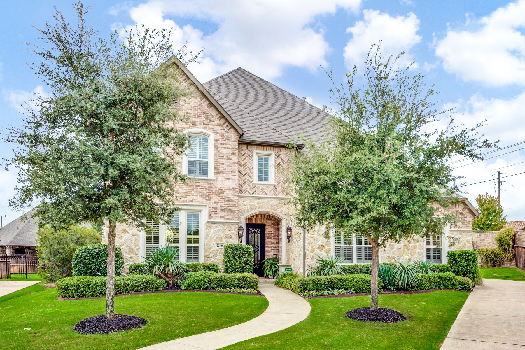 Single Family Homes for Sale at Southlake Carroll ISD 5 Bedroom 2240 Cotswold Valley Court Southlake, Texas 76092 United States