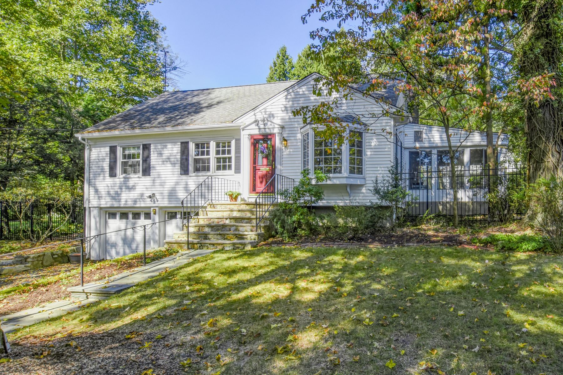 Single Family Homes for Sale at Lovely Cape Cod 8 Overlook Trail Morris Plains, New Jersey 07950 United States