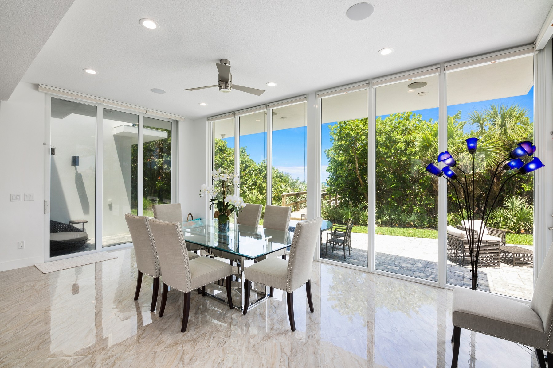 Additional photo for property listing at Modern Masterpiece with Captivating Panoramic Ocean and River Views 9445 Highway A1A Melbourne Beach, Florida 32951 United States