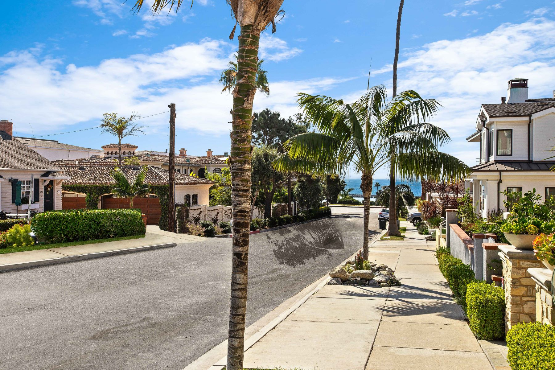 Single Family Homes for Sale at 223 Heliotrope Ave Corona Del Mar, California 92625 United States