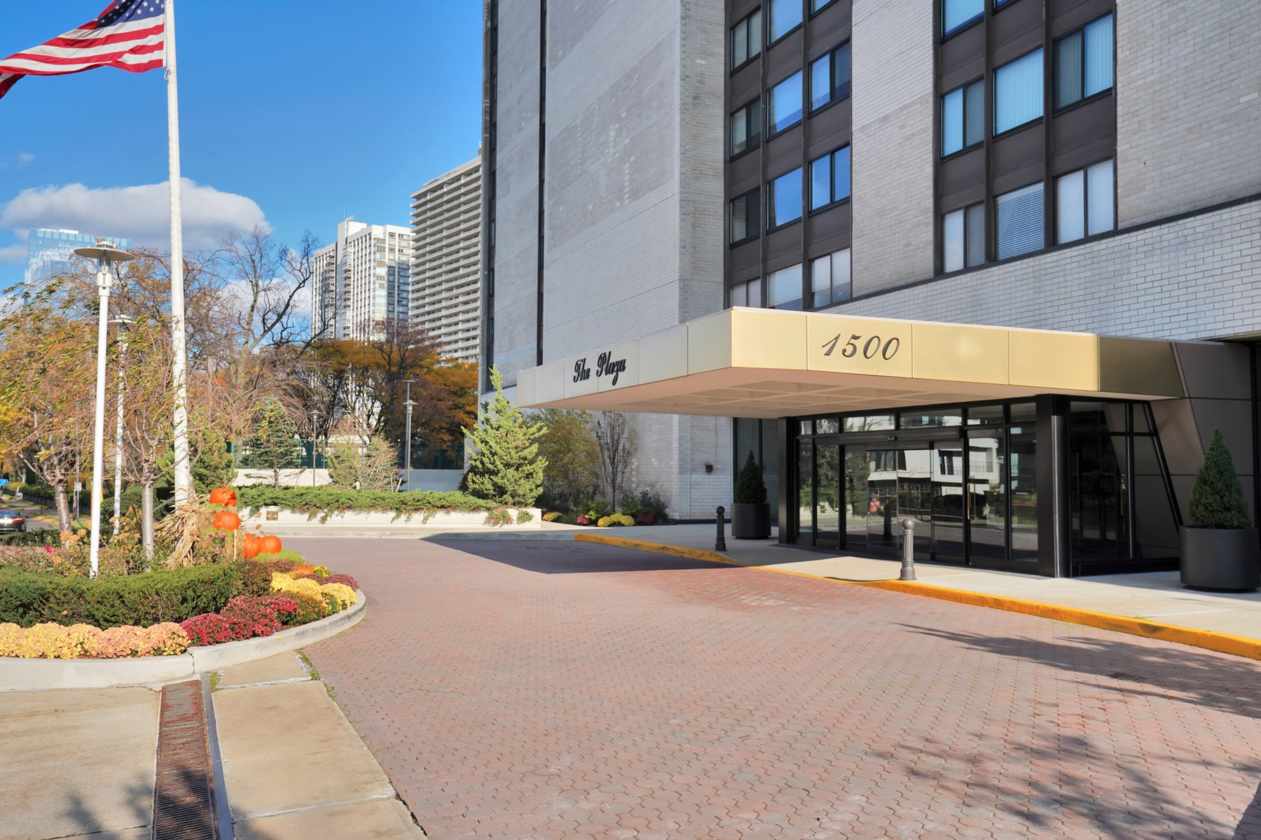 Co-op Properties for Sale at The Plaza 1530 Palisade Avenue #15E Fort Lee, New Jersey 07024 United States