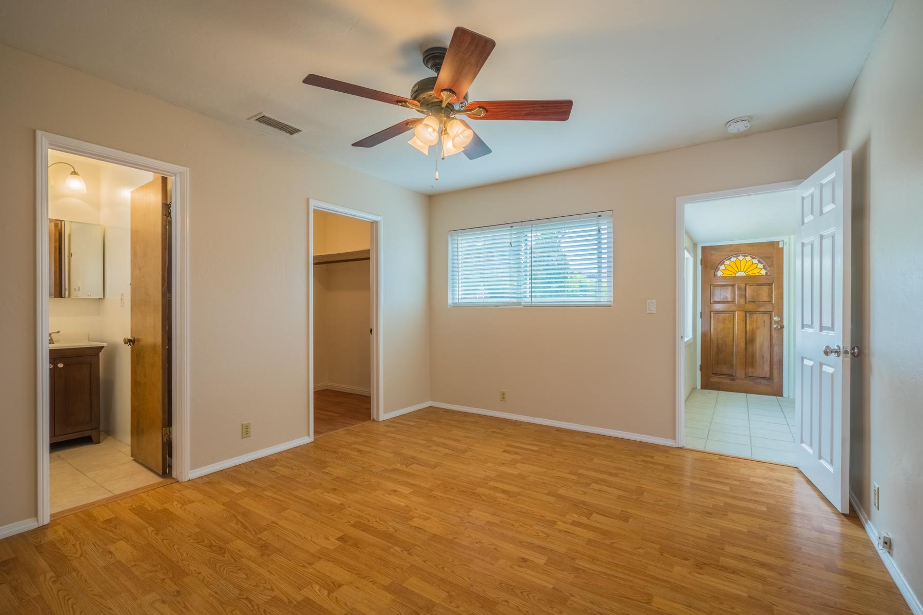 Частный односемейный дом для того Продажа на 7079 Neri 7079 Neri Drive La Mesa, Калифорния, 91942 Соединенные Штаты