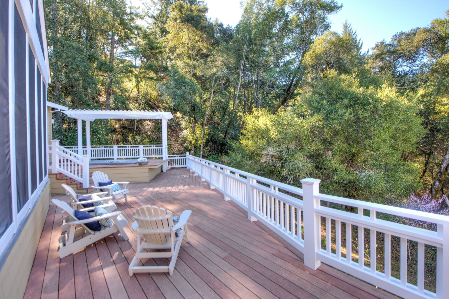 Additional photo for property listing at Expansive Private Sunny Contemporary Craftsman 4 Chaparral Lane San Geronimo, Kalifornien 94963 Vereinigte Staaten