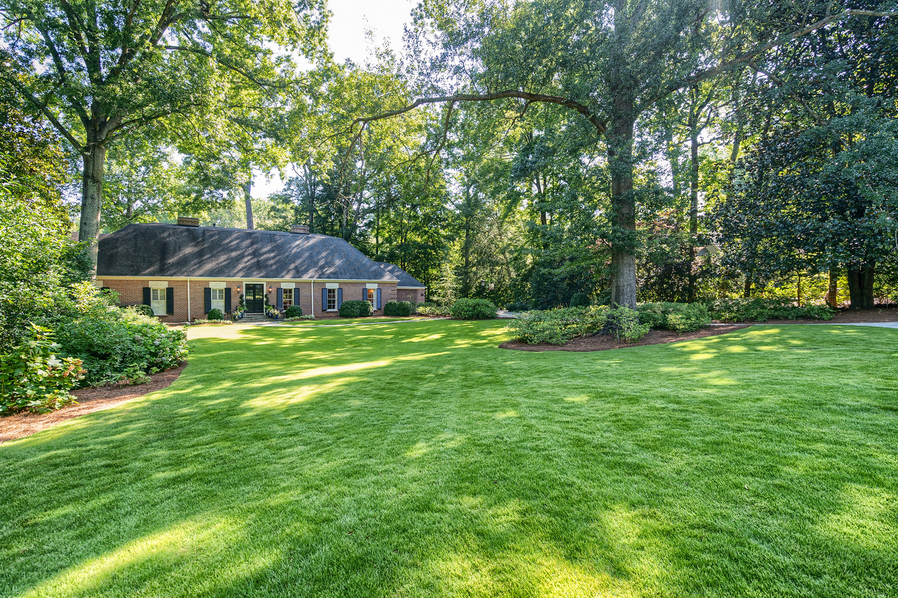 Single Family Home for Sale at Fantastic Kingswood Home 3741 Haddon Hall Road NW Atlanta, Georgia 30327 United States