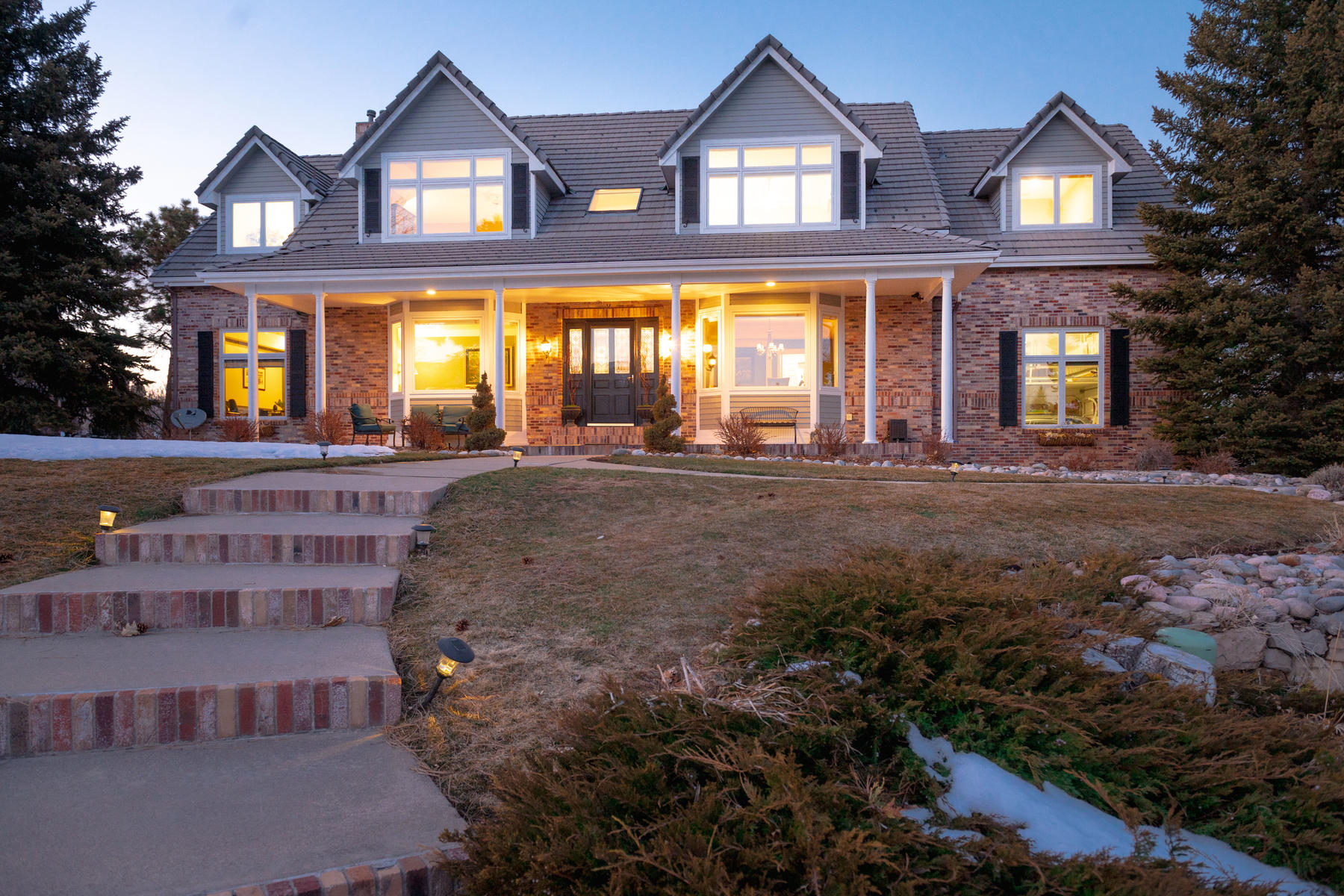 Single Family Homes для того Продажа на Fabulous Unobstructed Views in Ken Caryl North! 55 N Ranch Road, Littleton, Колорадо 80127 Соединенные Штаты