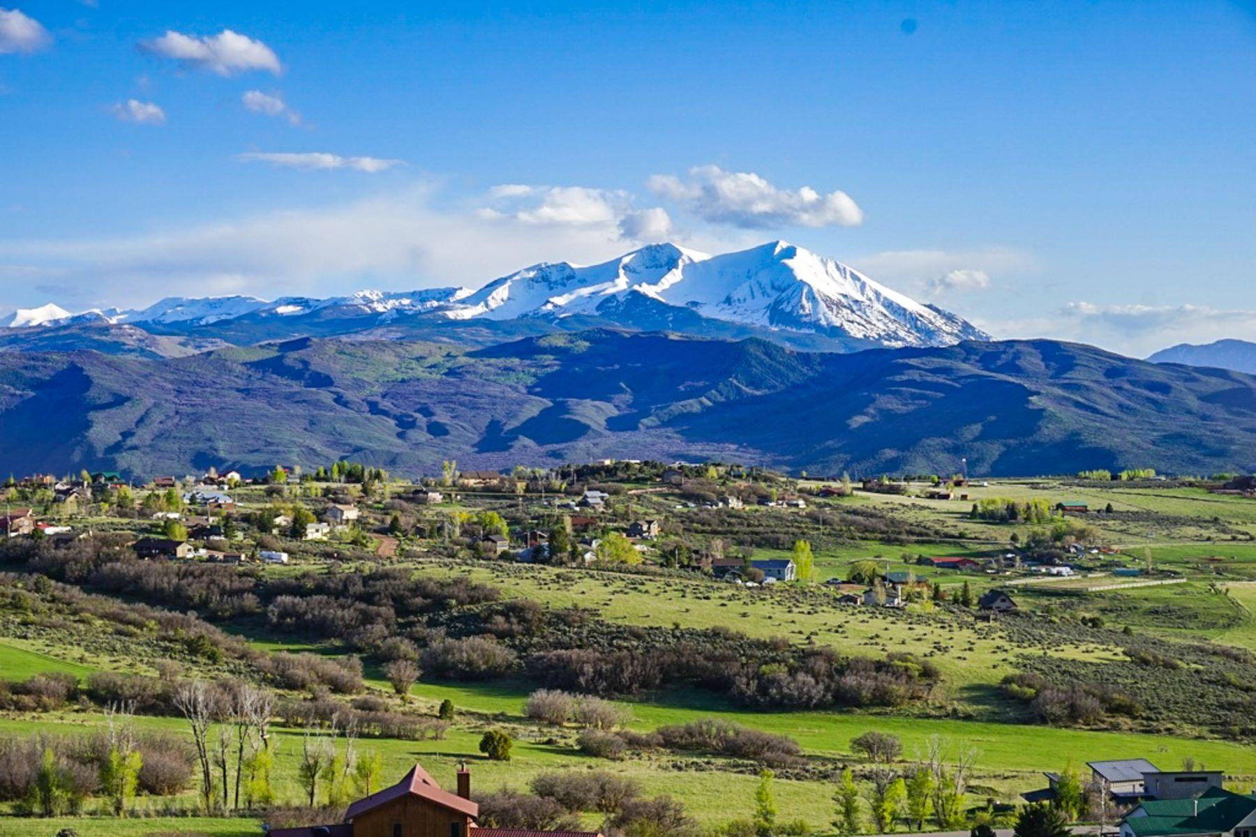 Maison unifamiliale pour l Vente à Views from Atop Missouri Heights 321 Mountain View Road Carbondale, Colorado, 81623 États-Unis
