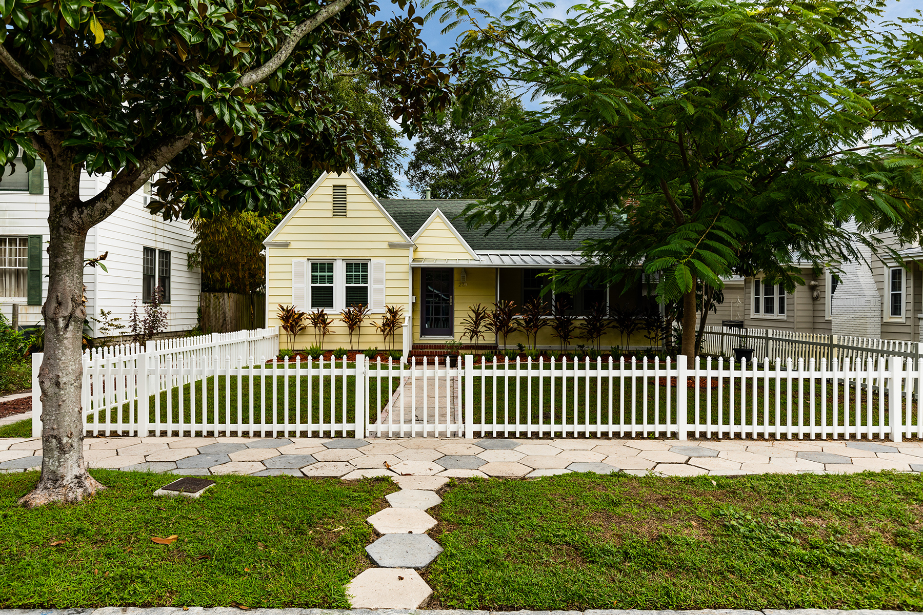 Single Family Homes for Sale at 229 21st Ave N St. Petersburg, Florida 33704 United States