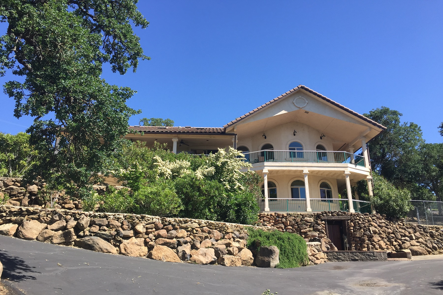 Single Family Home for Sale at Lake Tulloch Traditional 14550 Lakefront Drive Jamestown, California 95327 United States