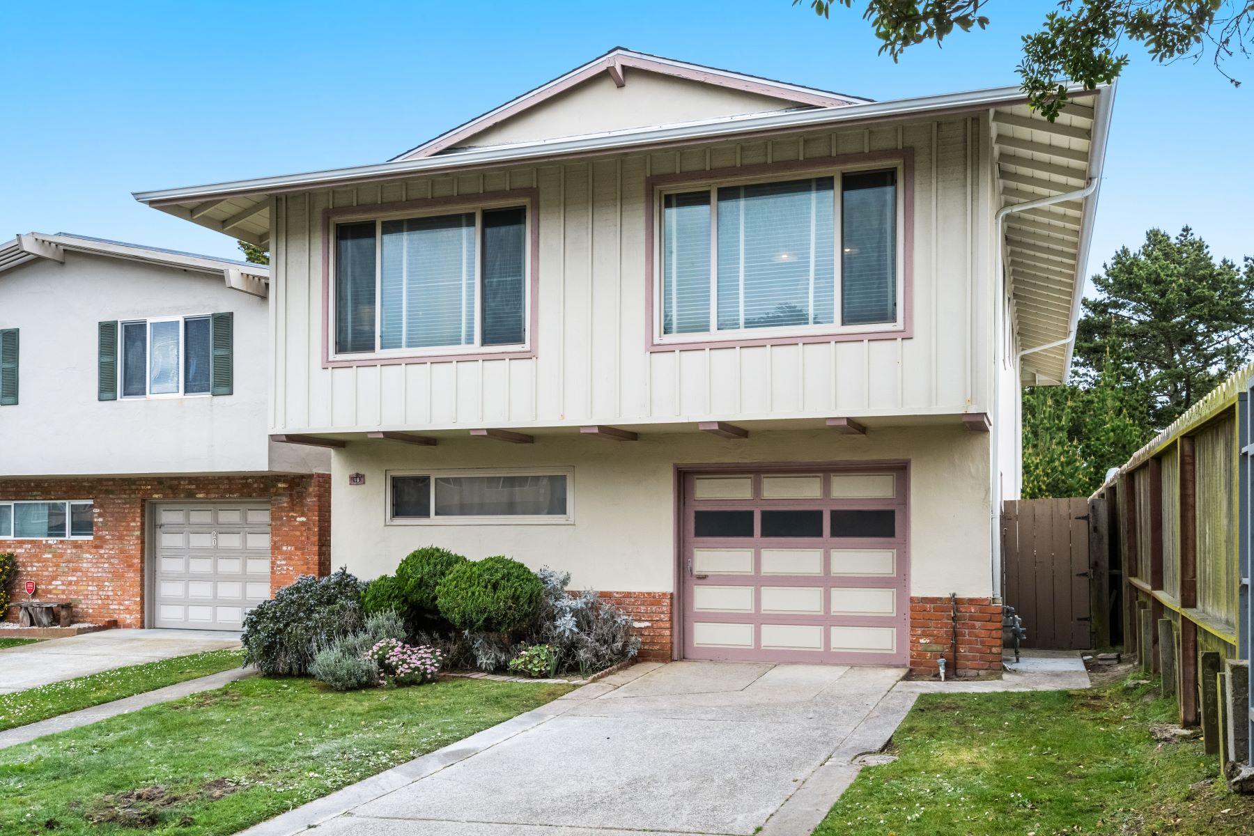 Single Family Homes para Venda às Beautiful Family Home on Quiet Street 18 Zita Manor, Daly City, Califórnia 94015 Estados Unidos